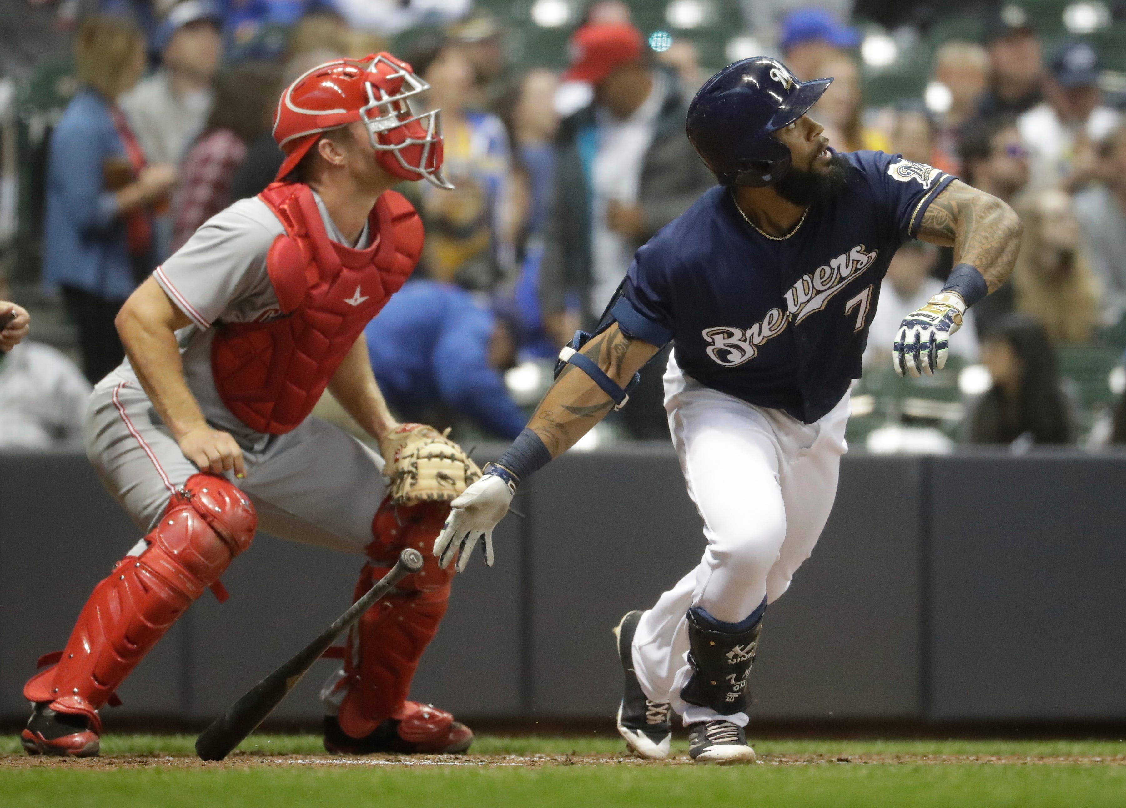 Brewers 11, Reds 7: Thames belts two more homers