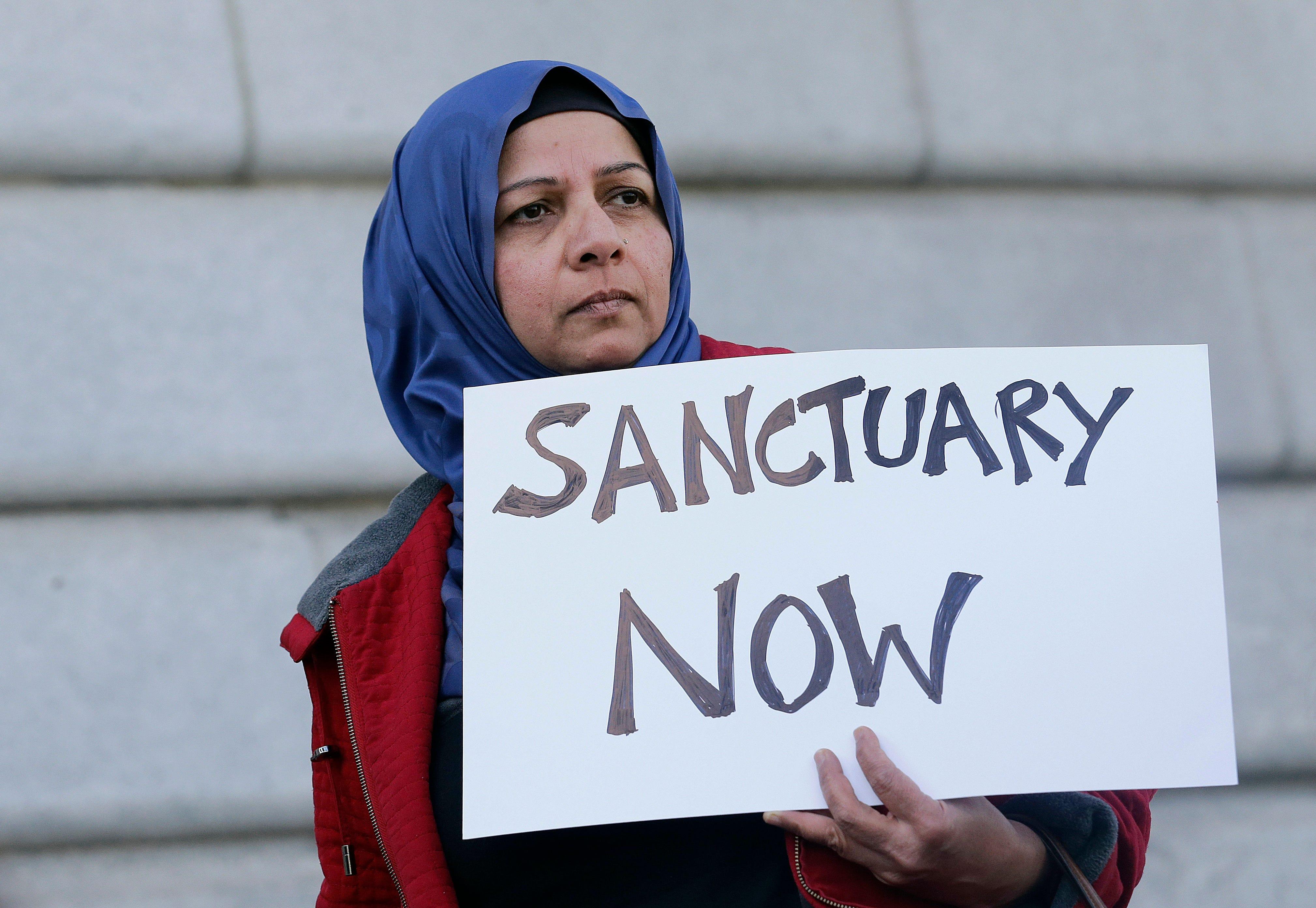 Federal judge blocks Trump plan to punish 'sanctuary cities'