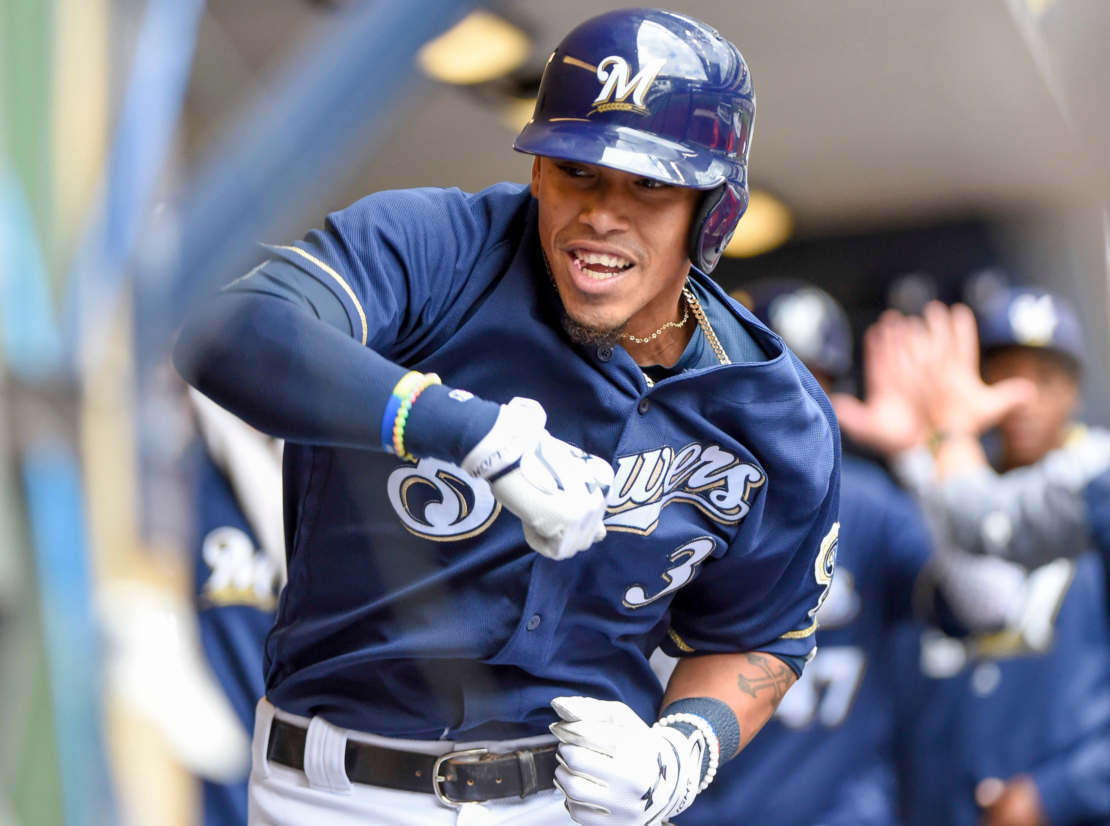 Brewers 9, Reds 4: Offense powers sweep