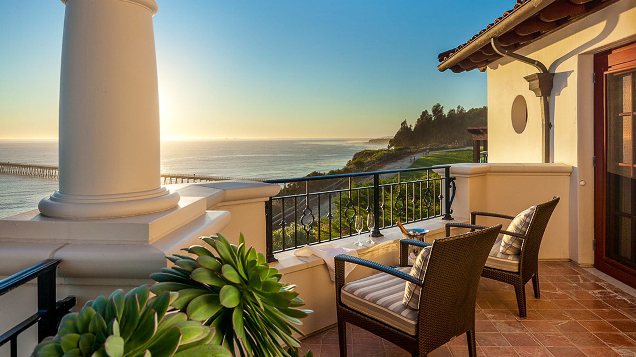 balcony cost estimator 30 Lavish Hotels Around The USA