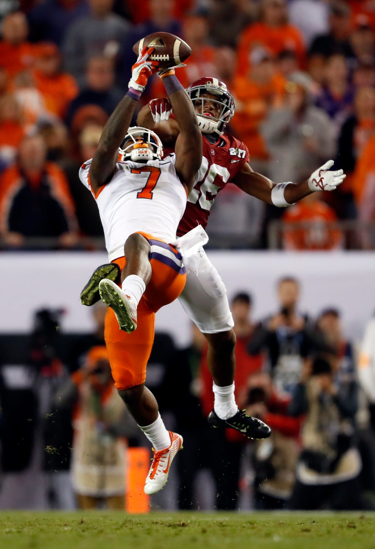 quality design 81f23 2bb26 Chargers grab Clemson WR Mike Williams with 1st pick in LA
