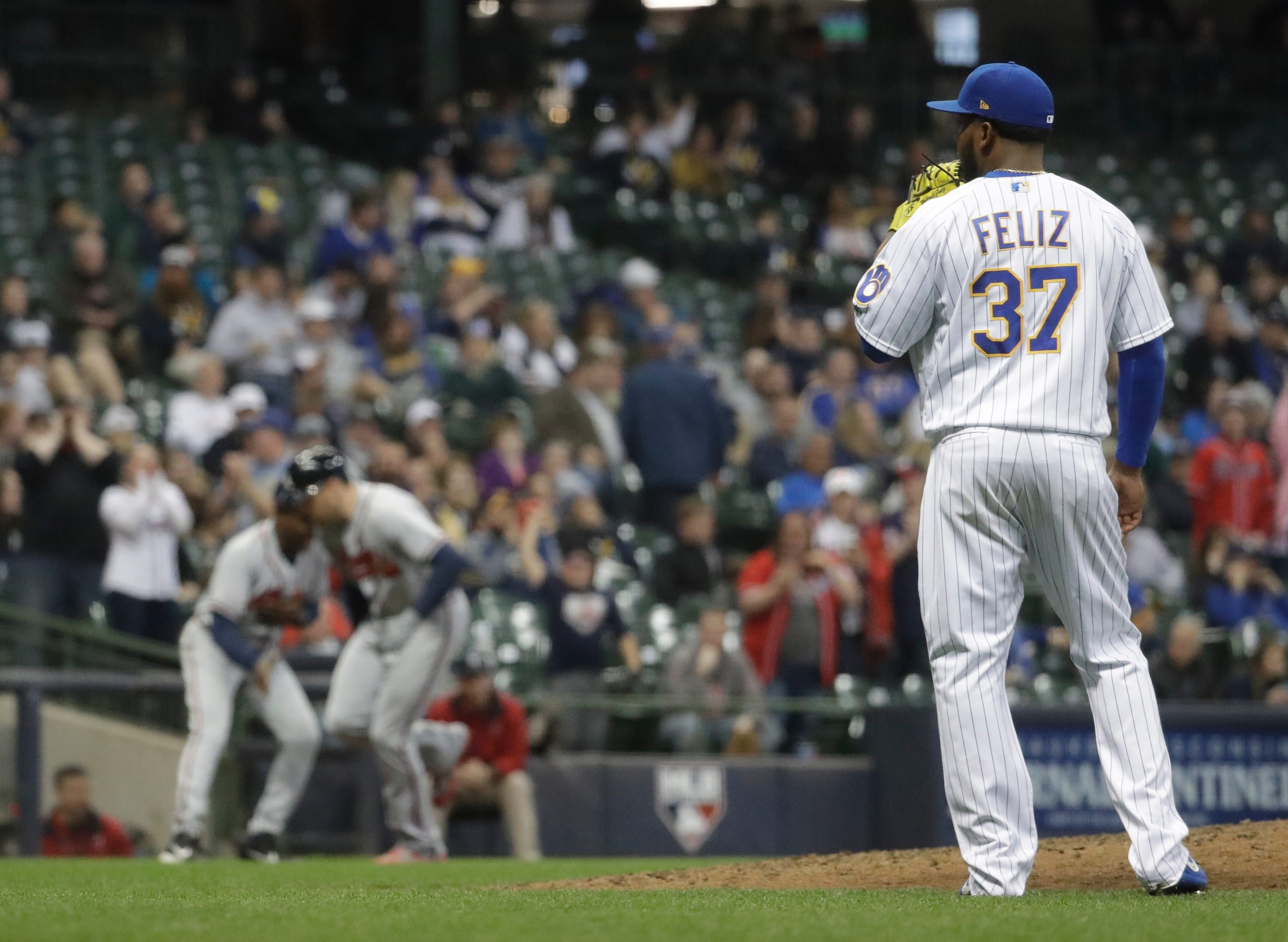Bullpen falters as Brewers lose tough one to Braves