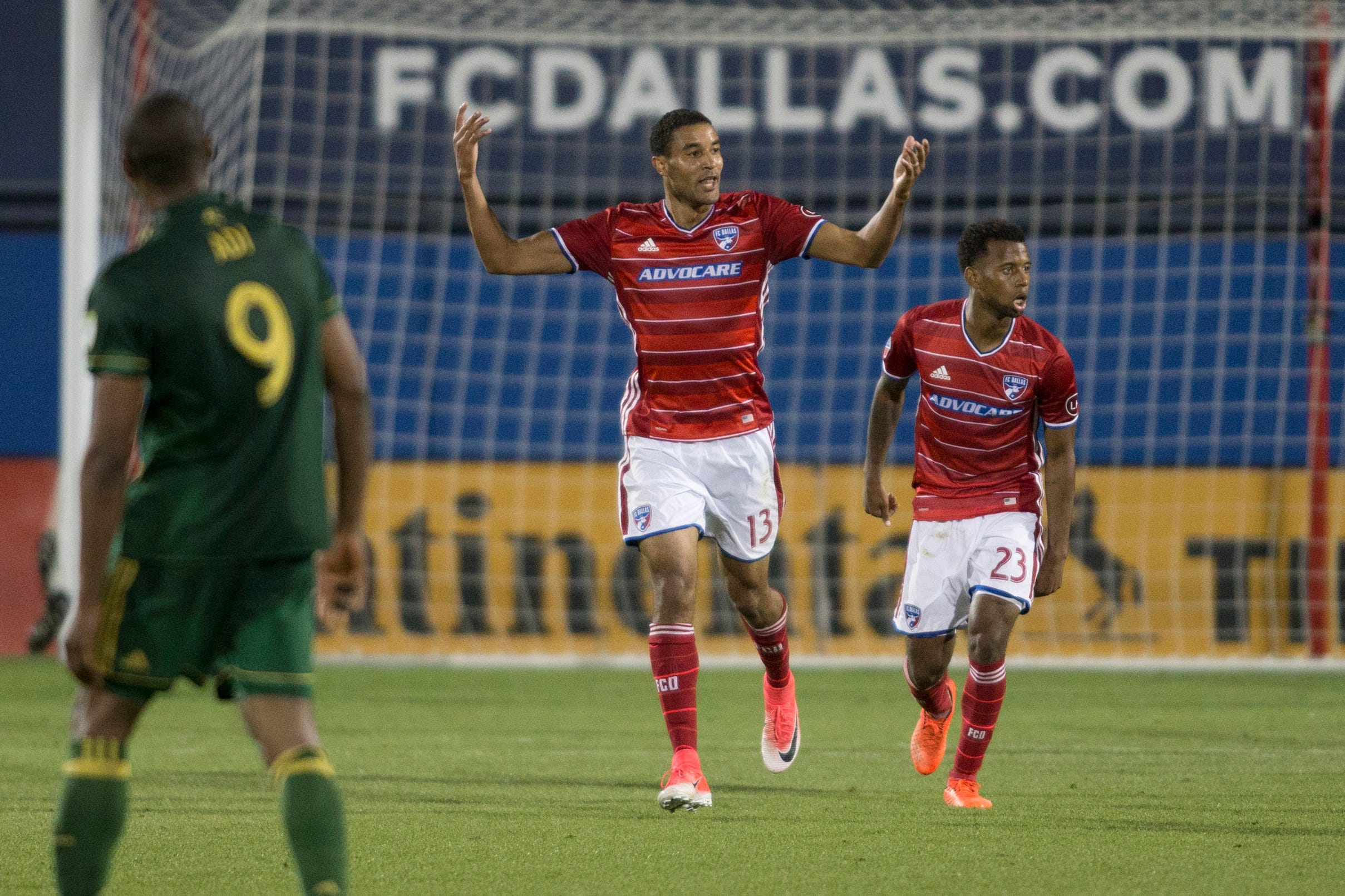 Tesho Akindele's first goal of 2017 helps FC Dallas draw with Portland Timbers