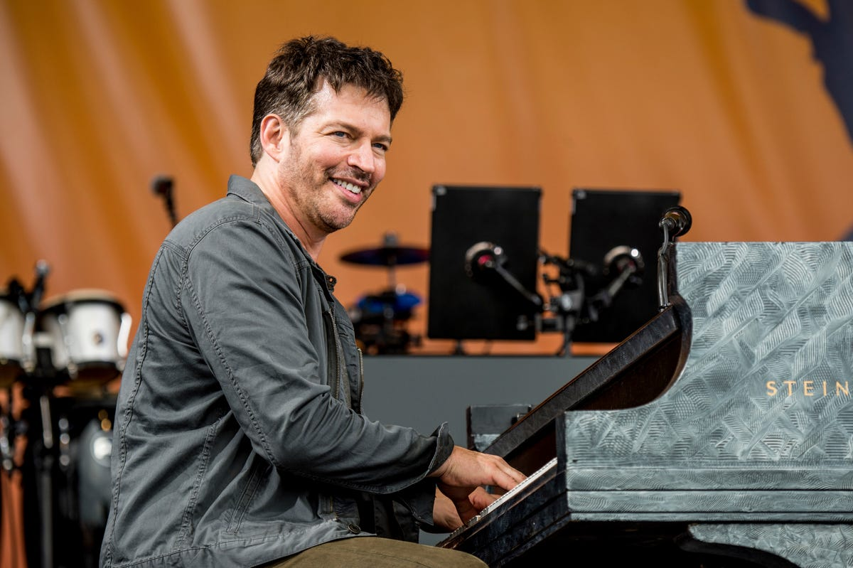 Harry Connick Jr 's new gig: piano teacher on Playground Sessions app