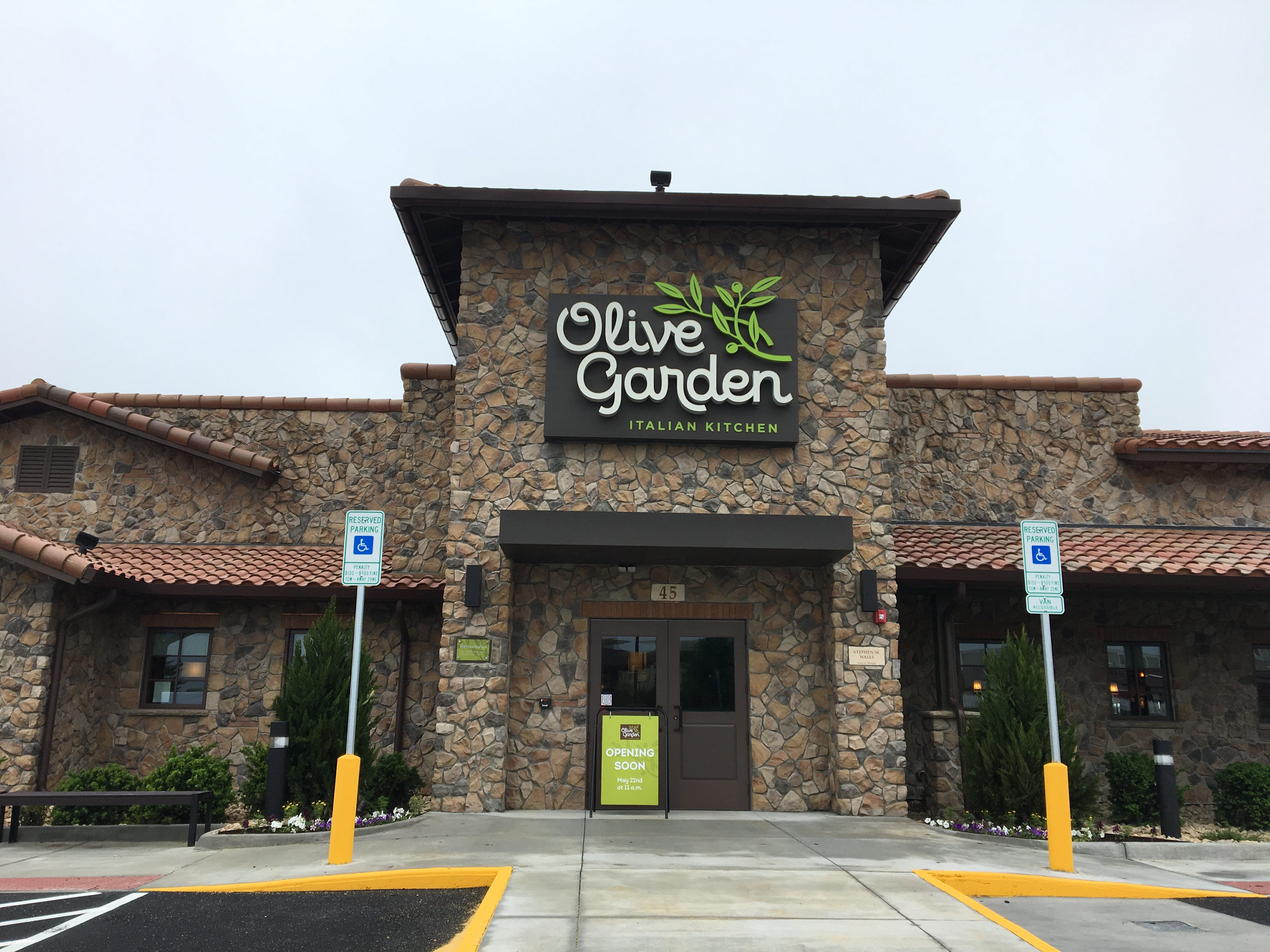 Olive Garden in Waynesboro is a hoax