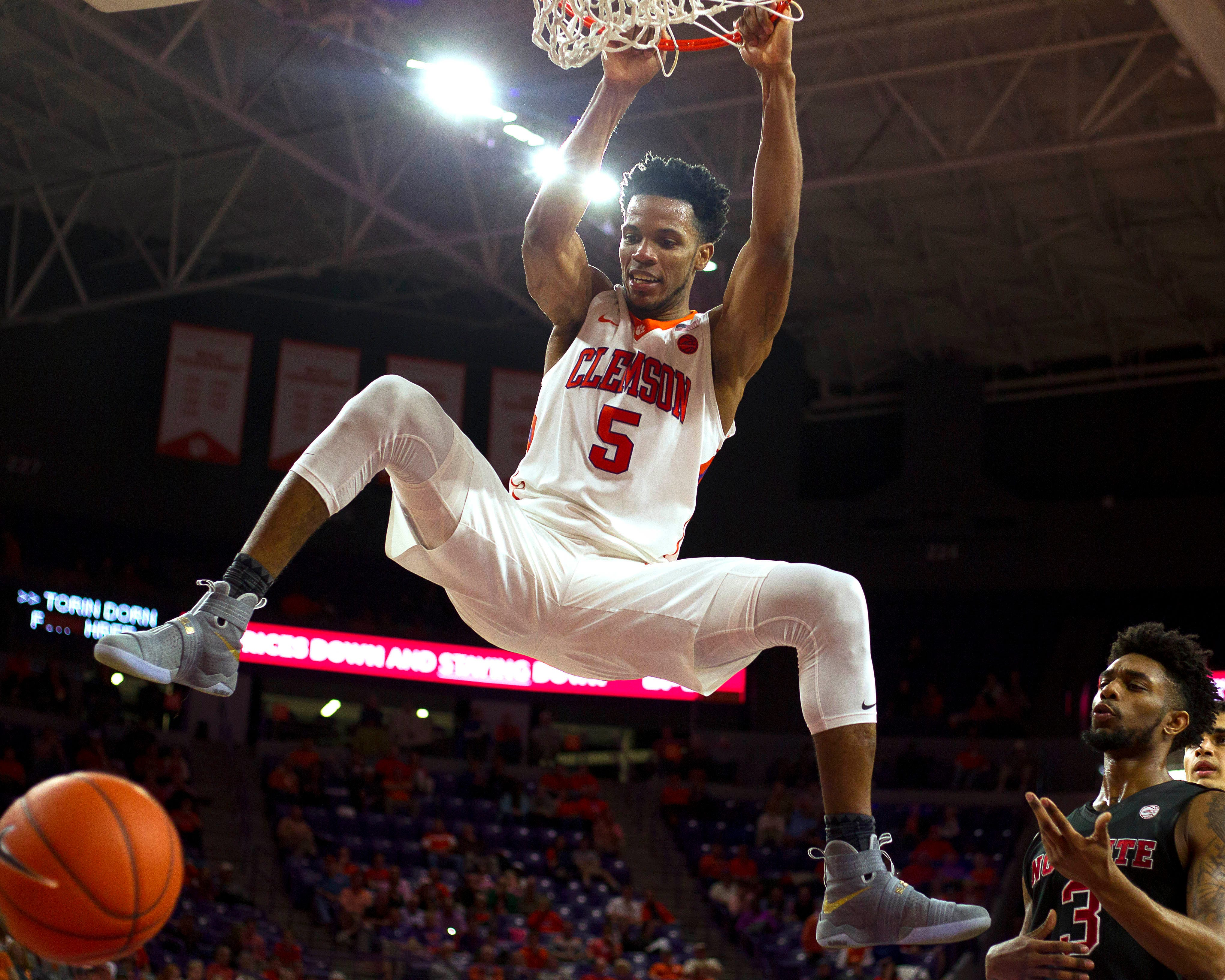 NBA mock drafts: Phoenix Suns find another gem in second round of NBA draft?