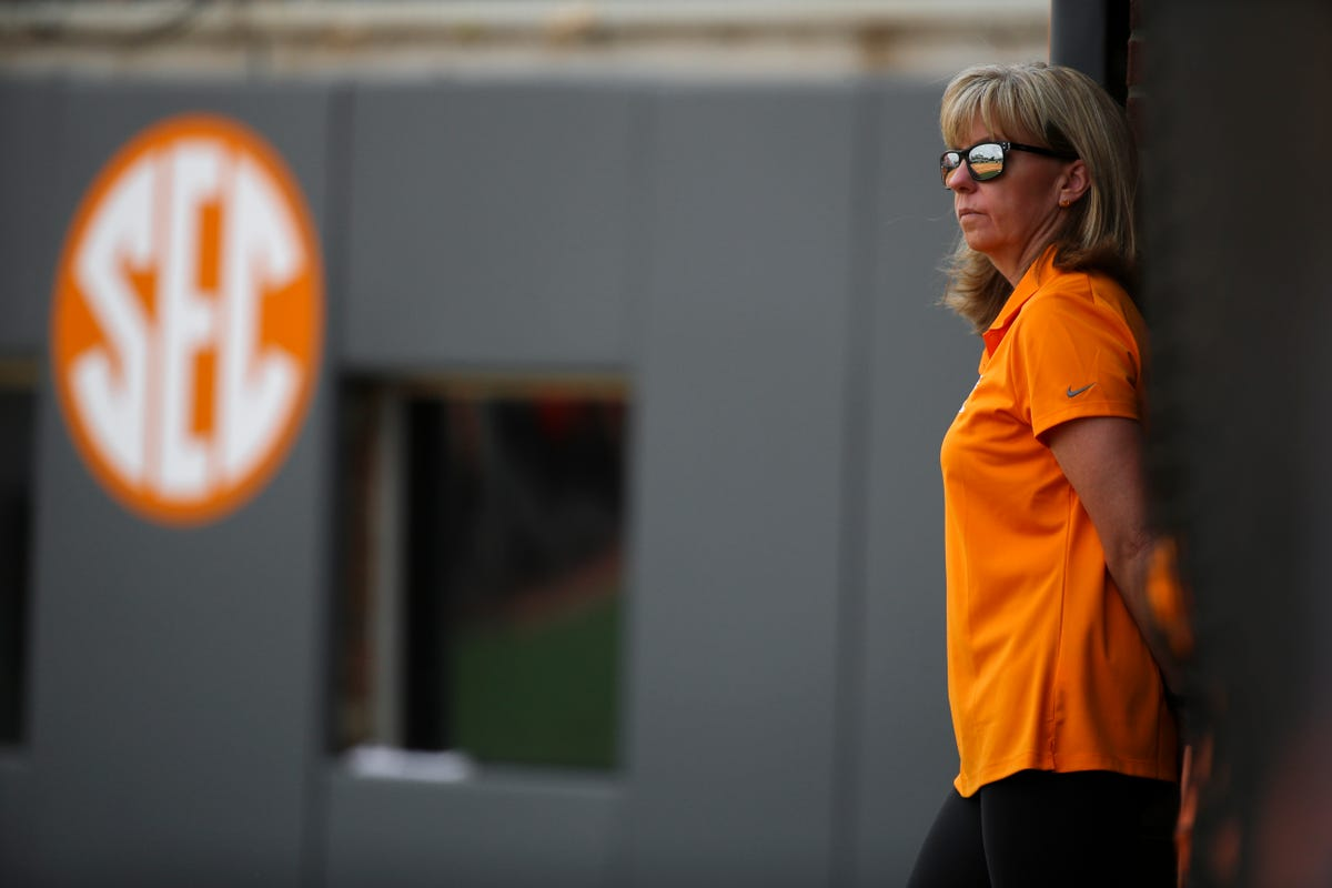 Karen Weekly put law career on hold to coach Tennessee softball
