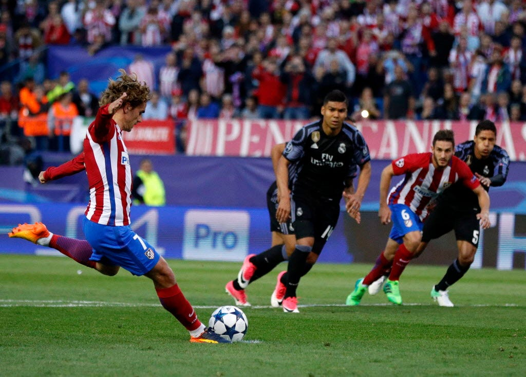 Antoine Griezmann says 6 chances out of 10 he will join Manchester United