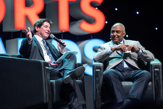 Bengals Head Coach Marvin Lewis speaks with Cincinnati Enquirer's Paul Daugherty at the 2017 Cincinnati.com Sports Awards at the Aronoff Center on Monday May 22, 2017. Phil Didion for The Enquirer.
