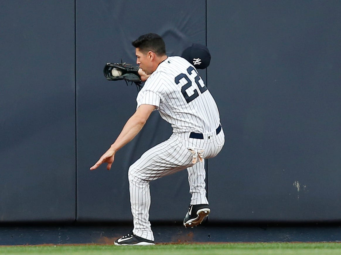 Yankees' Ellsbury exits game with concussion