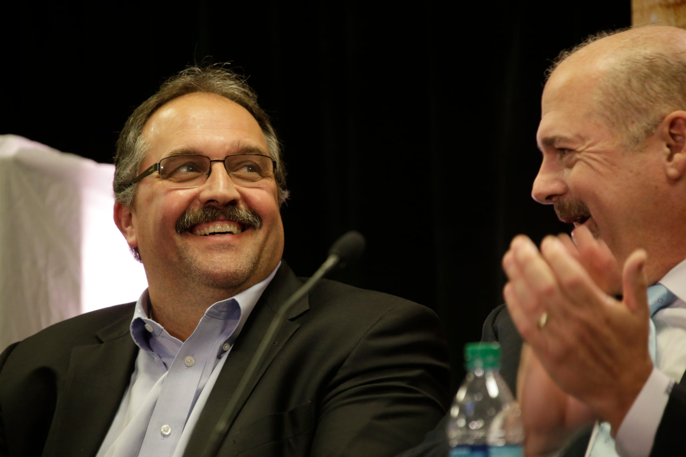 Pro basketball writers honor Detroit Pistons' Stan Van Gundy with media award