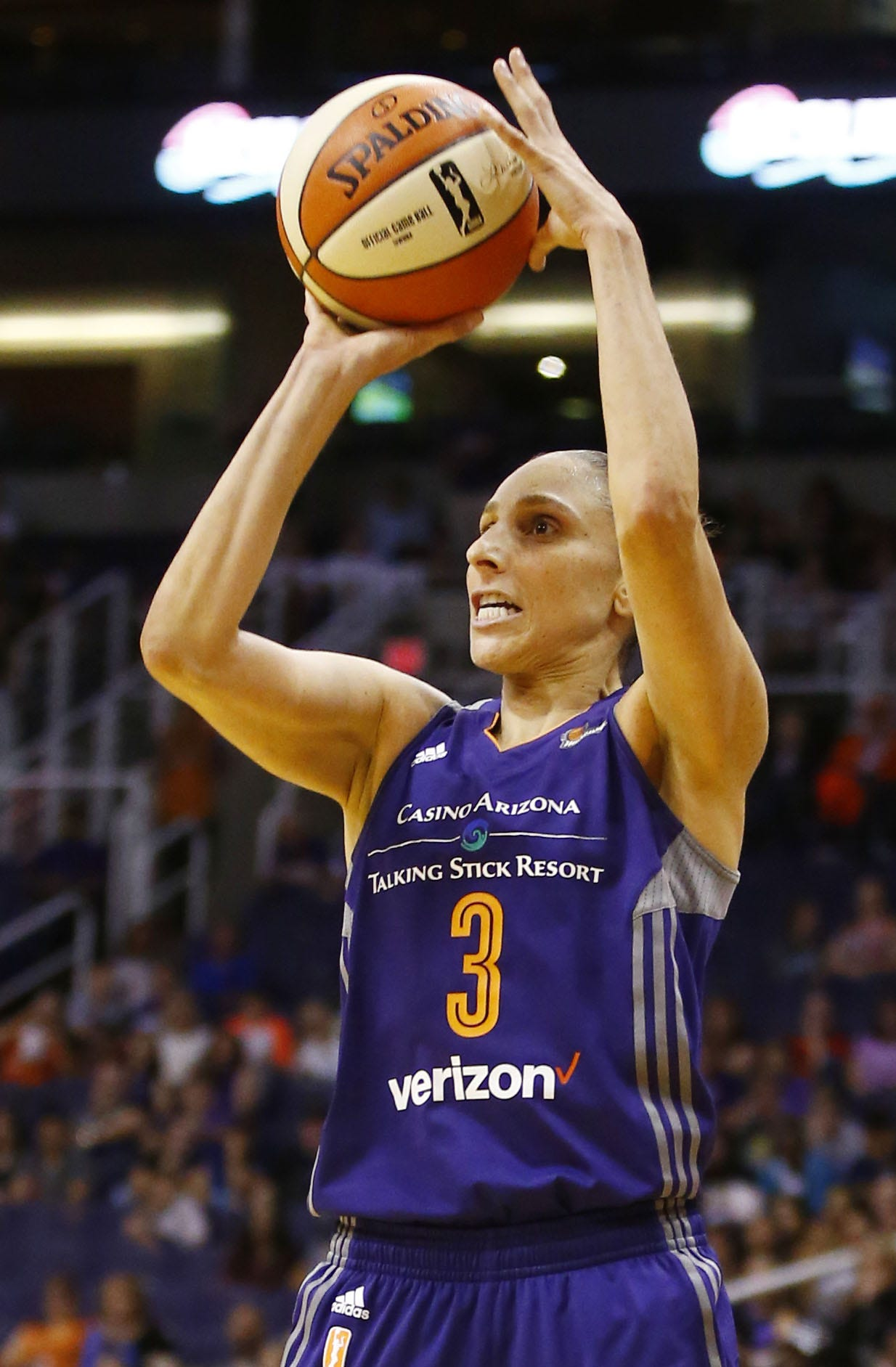 Diana Taurasi hits 8 3-pointers, breaks WNBA career record in win
