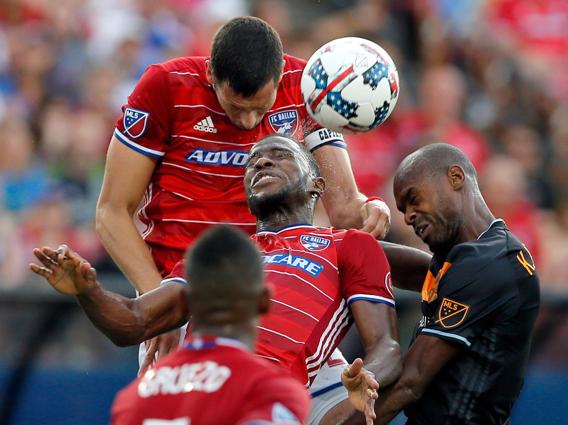 Deric makes 4 saves, Dynamo and FC Dallas tie 0-0