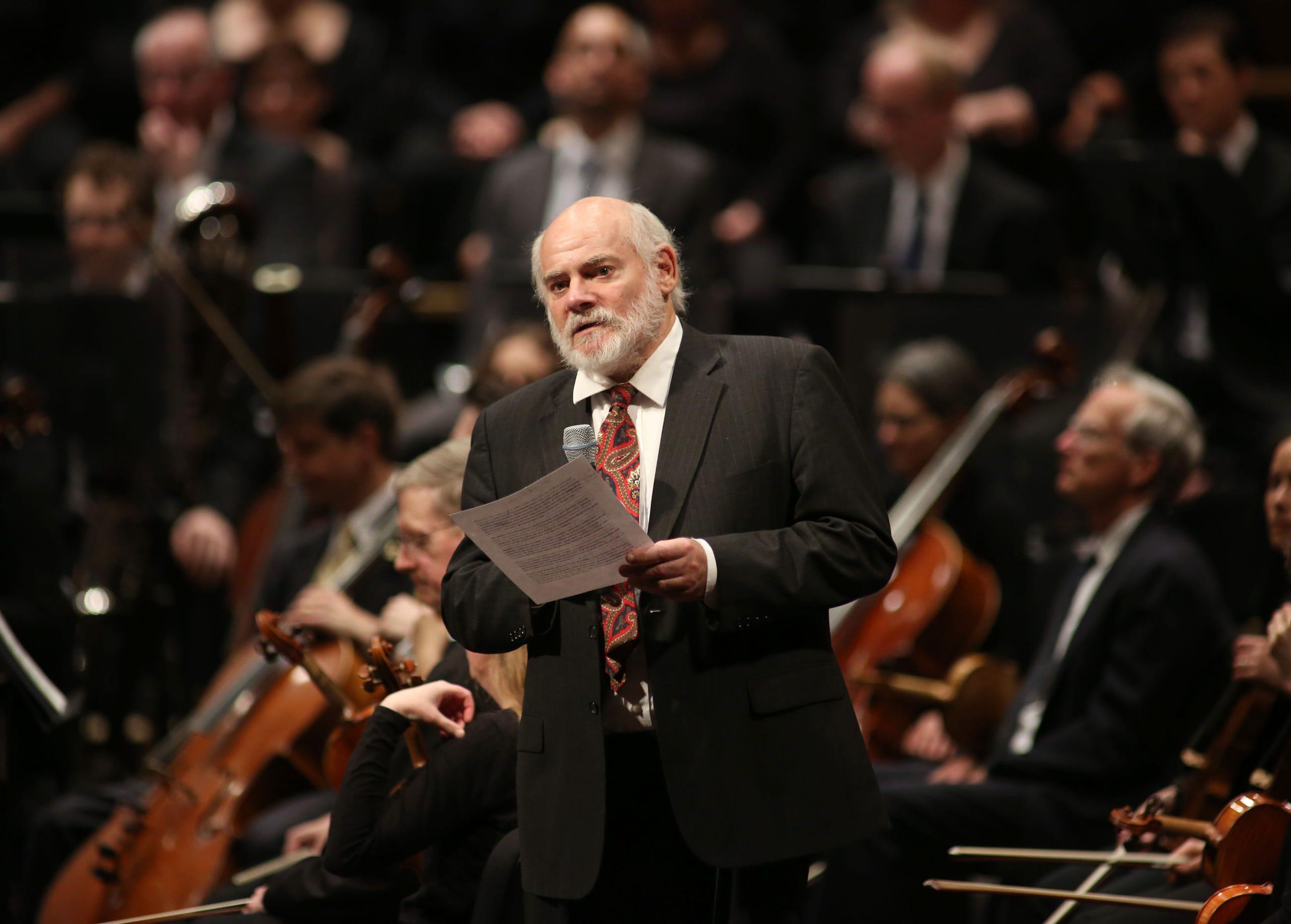 Edo de Waart takes a bow as Milwaukee Symphony music