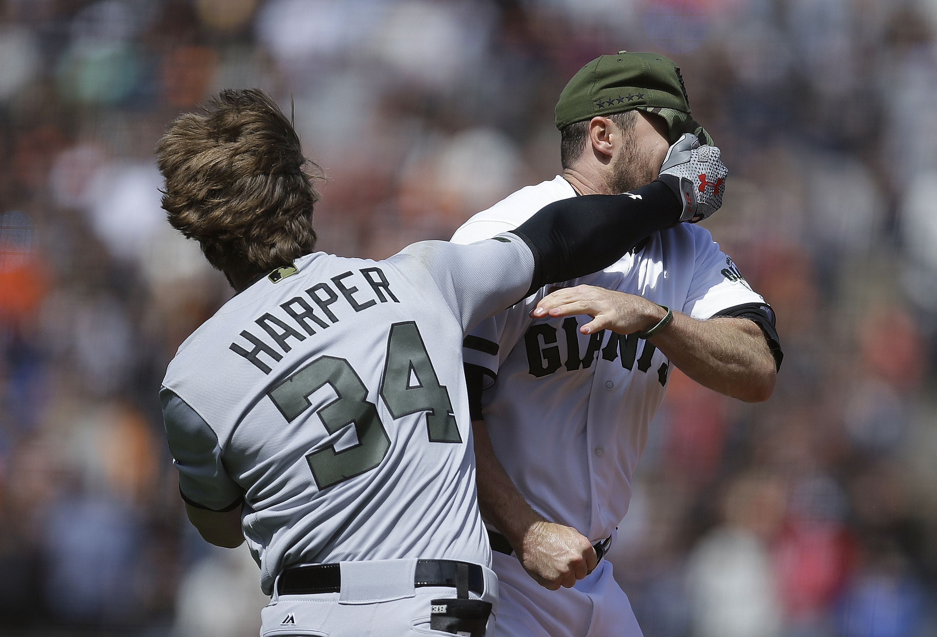 Bryce Harper, Giants brawl after Hunter Strickland drills him with pitch