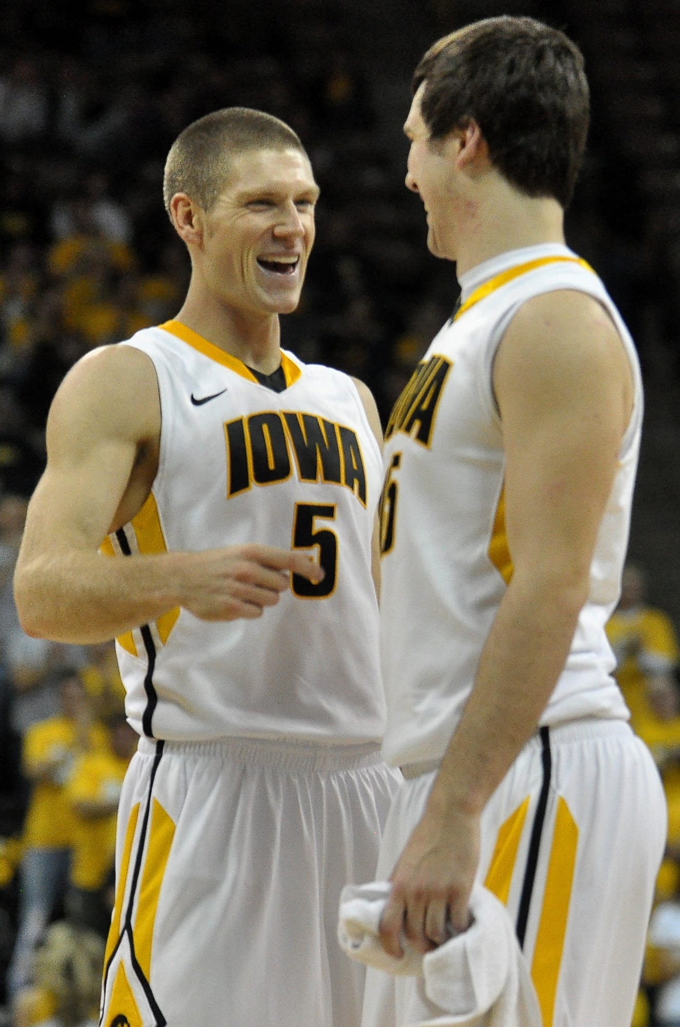 Former Hawkeye star Matt Gatens tries his hand at coaching, for old friend Bruce Pearl