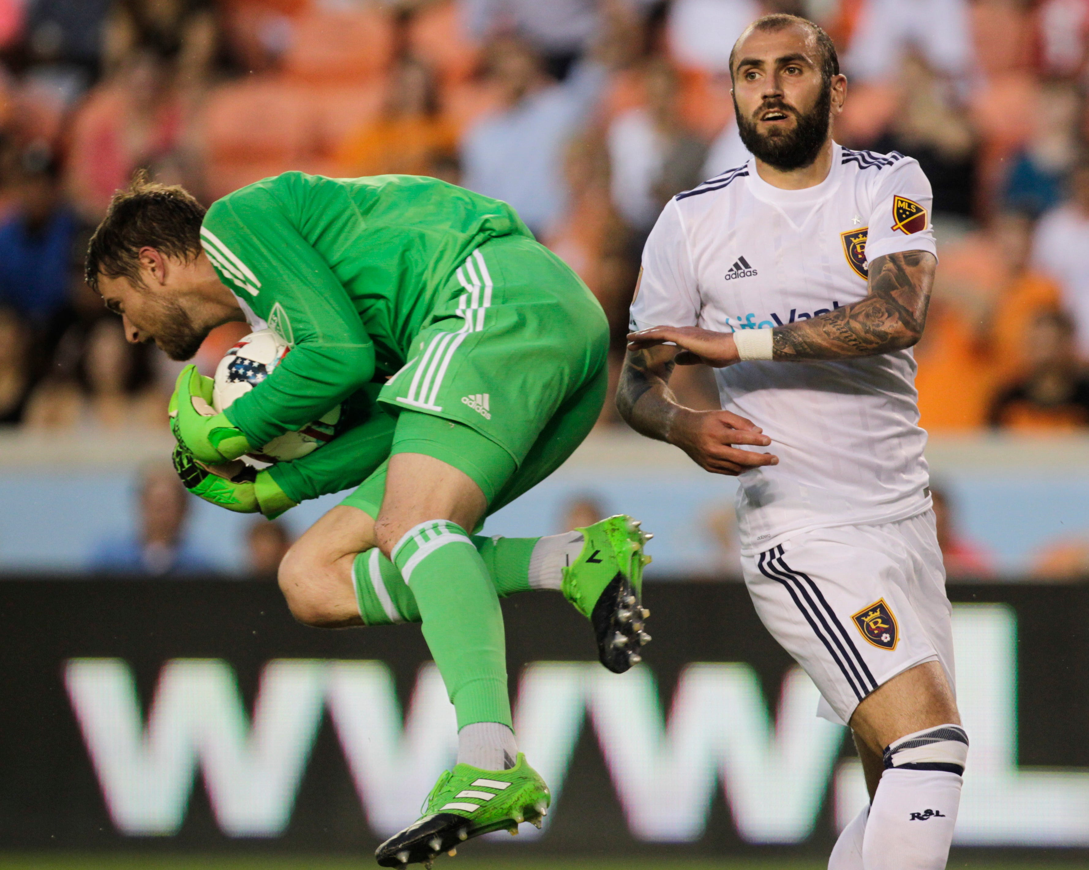 Dynamo beats RSL 5-1 to move into 1st in Western Conference