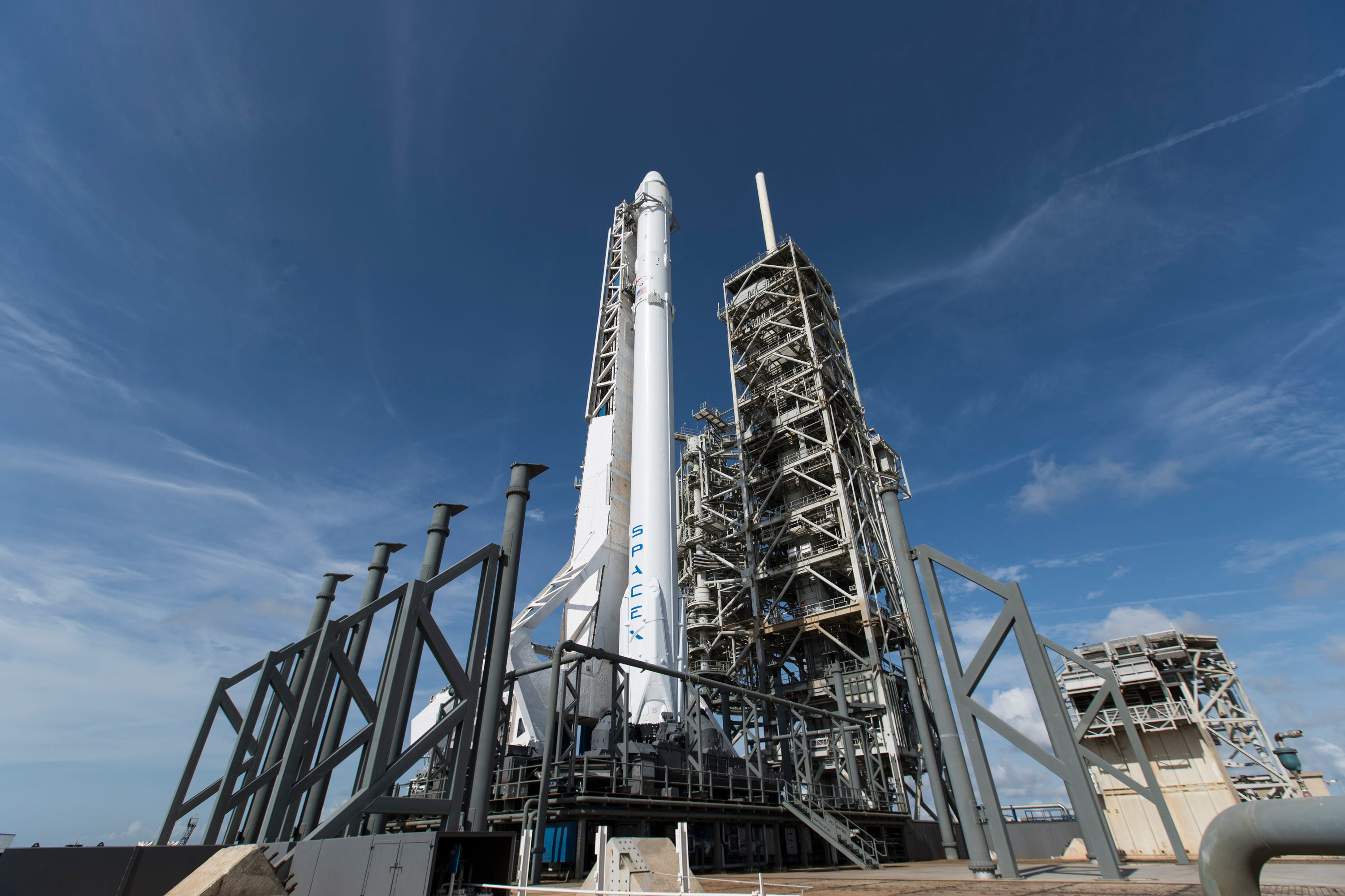 636319294325879159-34223076793-4abe7e74d6-o Updates: SpaceX Falcon 9 launches from KSC, lands at Cape