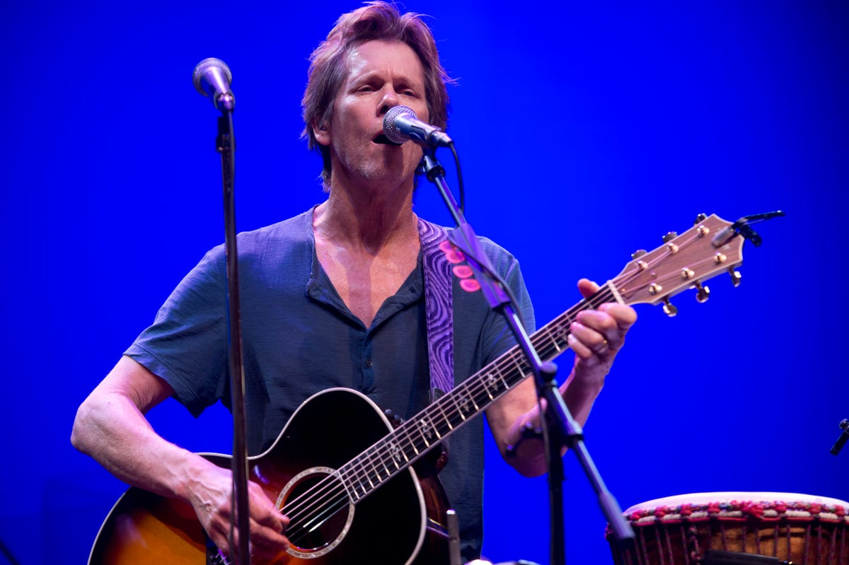 Kevin Bacon spent Monday afternoon jamming with his band in Iowa