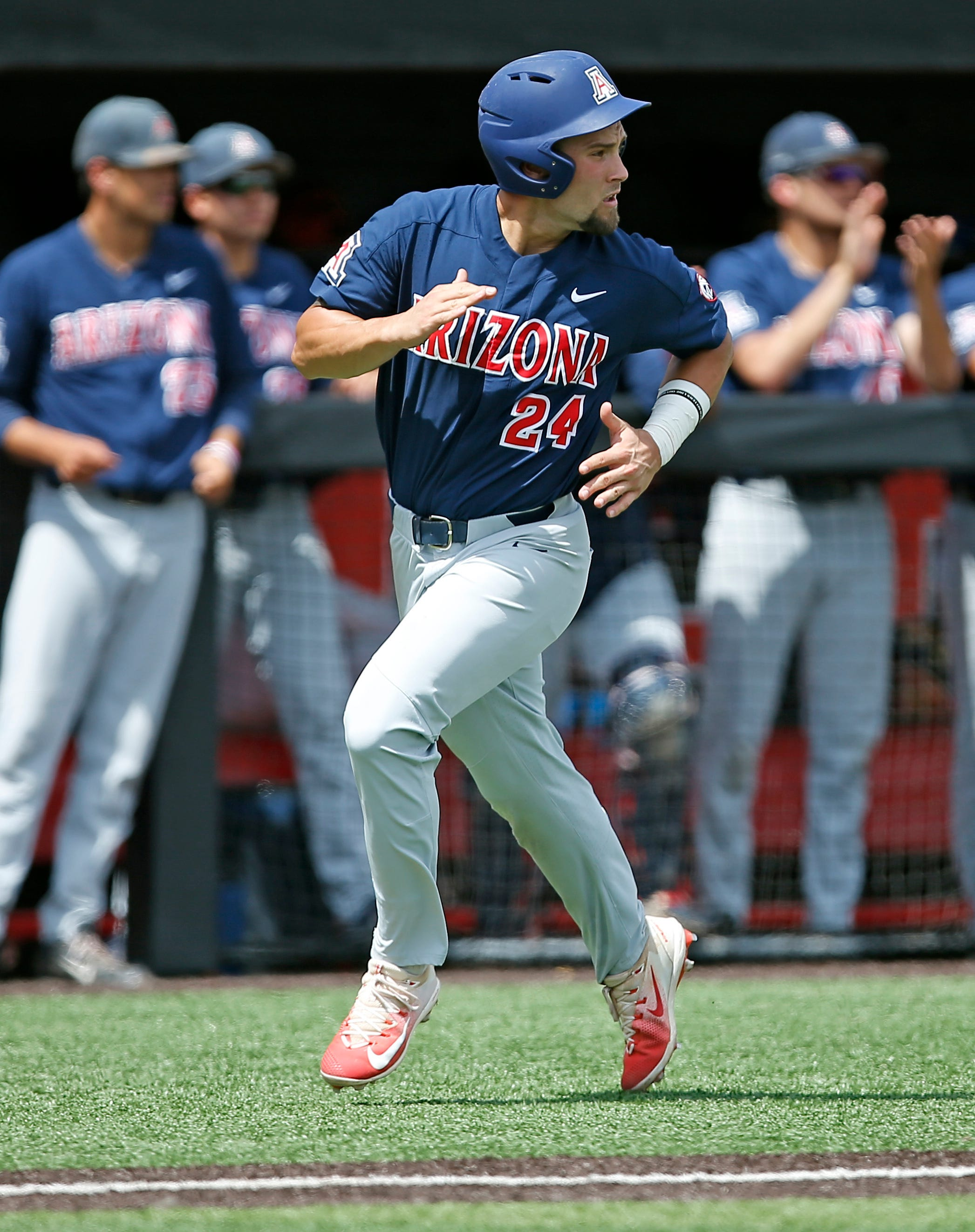 Arizona baseball tops Delaware to stay alive in NCAA regional