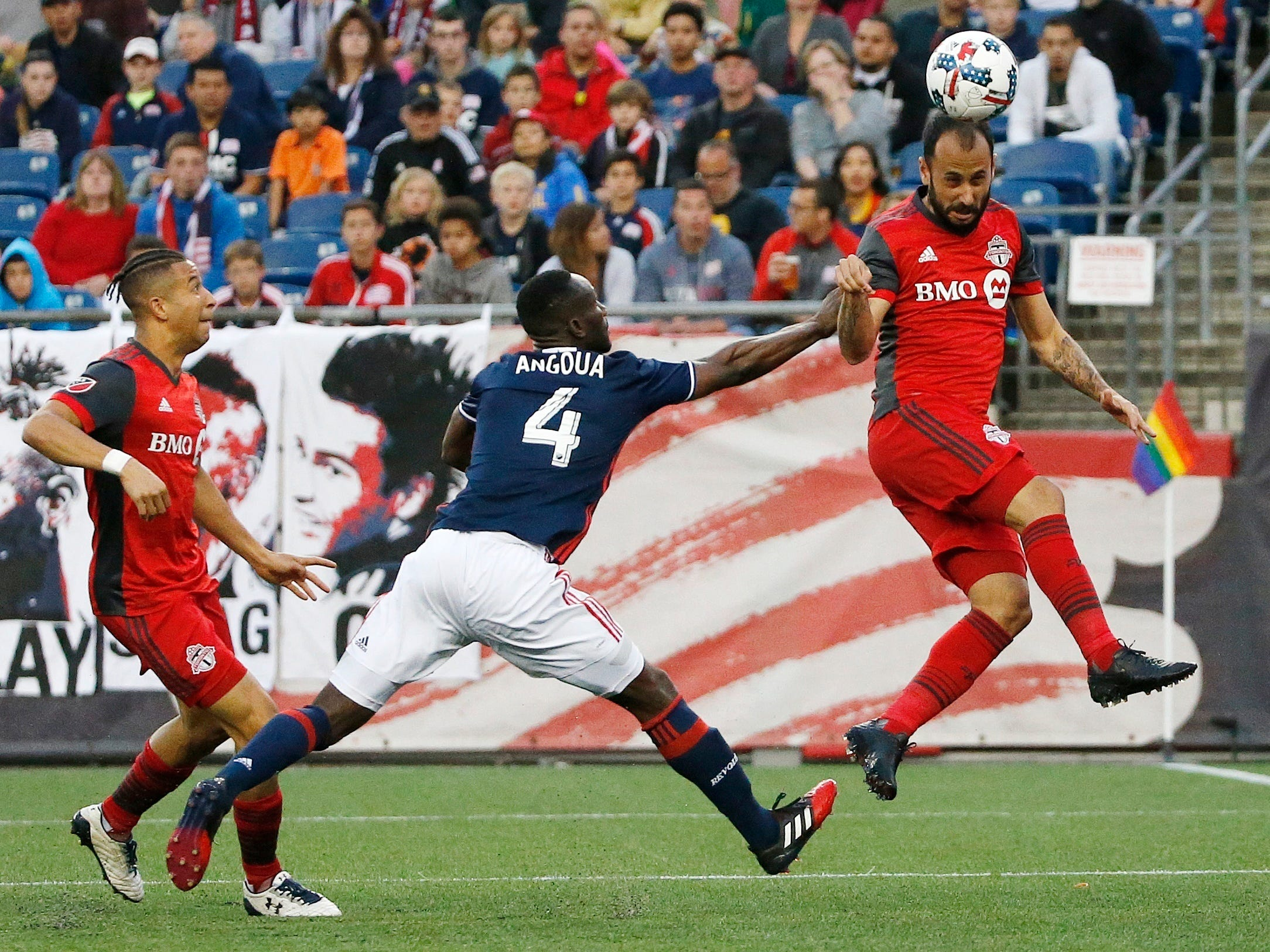 Angoua, Agudelo help Revolution beat Toronto FC 3-0