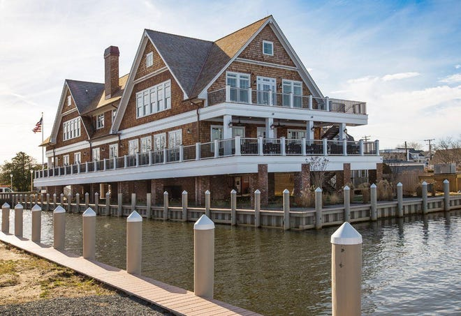 Charlie's of Bay Head offers outdoor dining with a view of Twilight Lake.