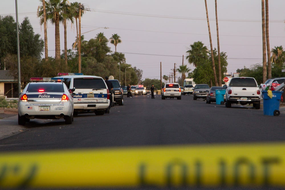 Man shot 8 times expected to live, Phoenix police say