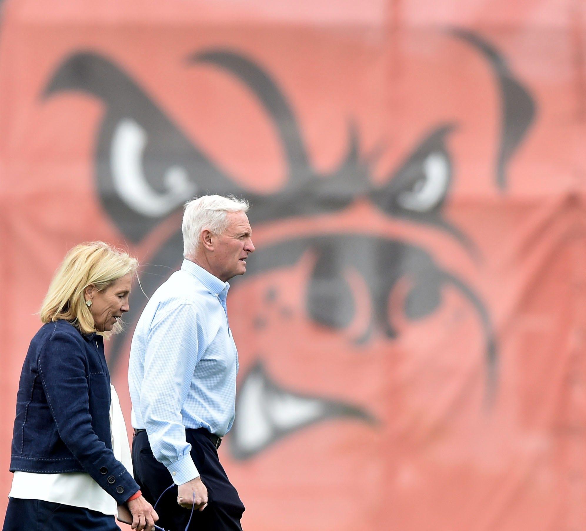 636324596799385176-USP-NFL-Cleveland-Browns-OTA Browns owner Jimmy Haslam 'feeling plenty of pressure' as Cavs, Indians excel