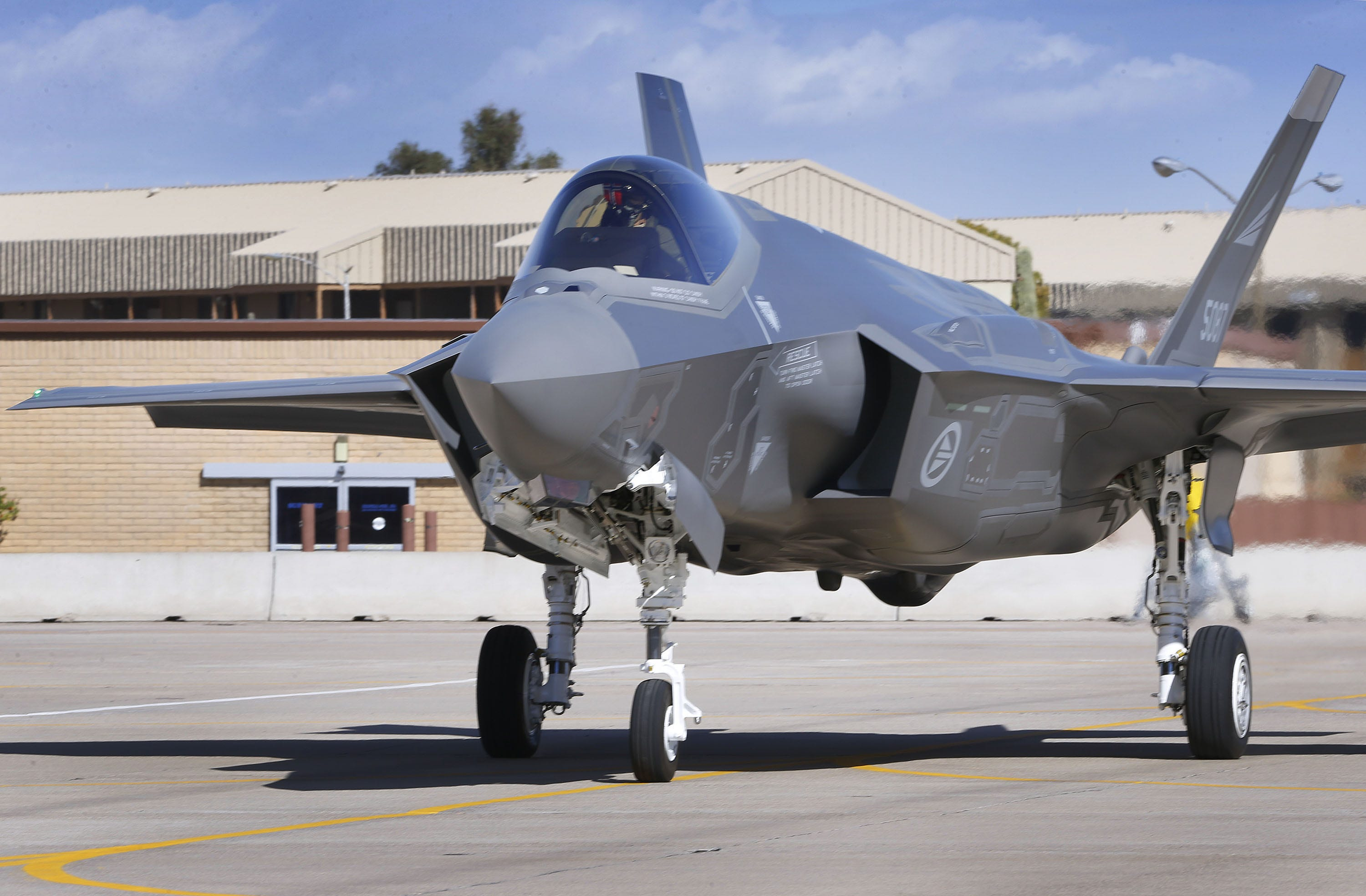 F-35 grounded indefinitely at Luke Air Force Base over hypoxia reports