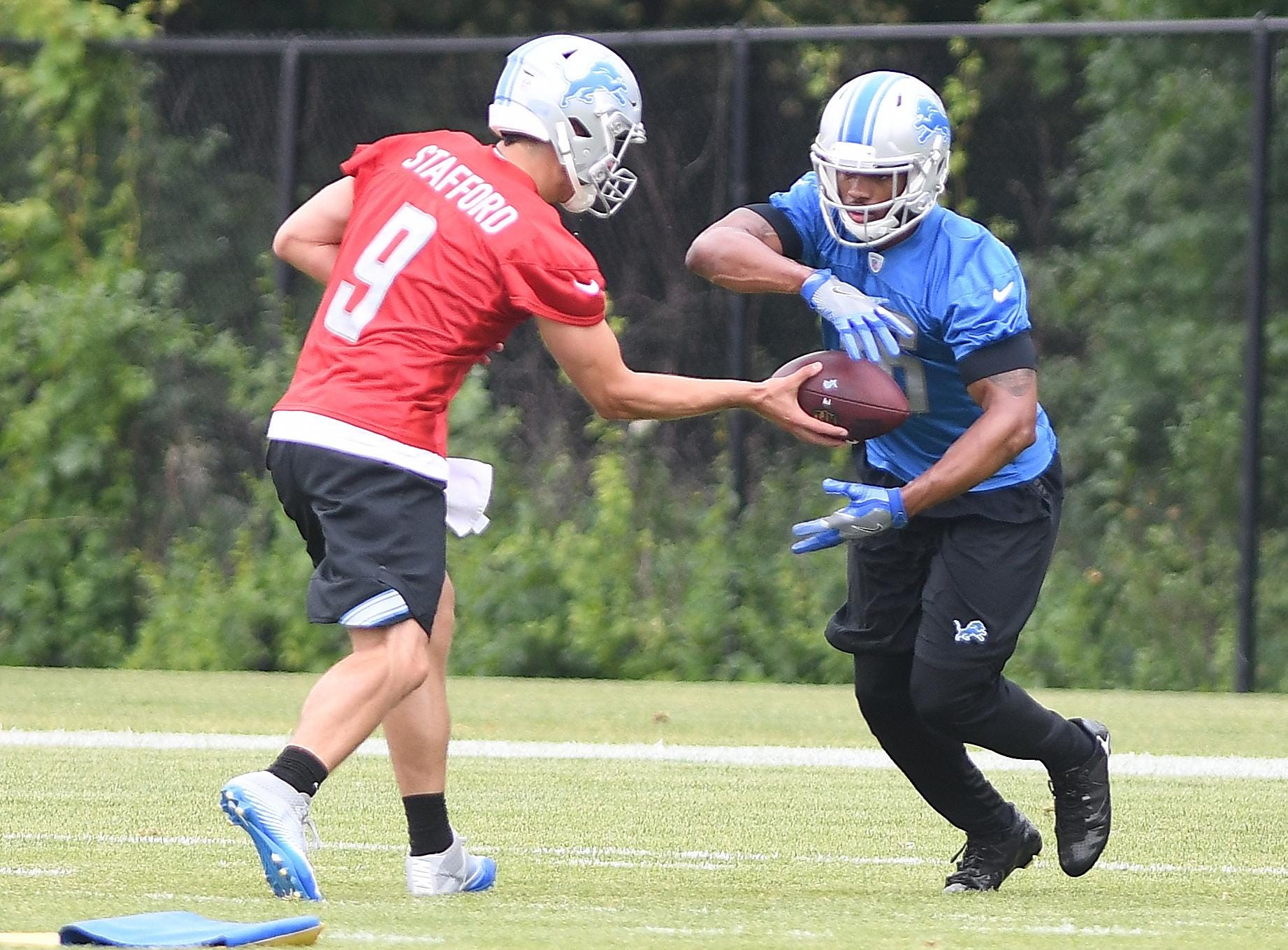 Niyo: Running Lions offense second nature to Stafford