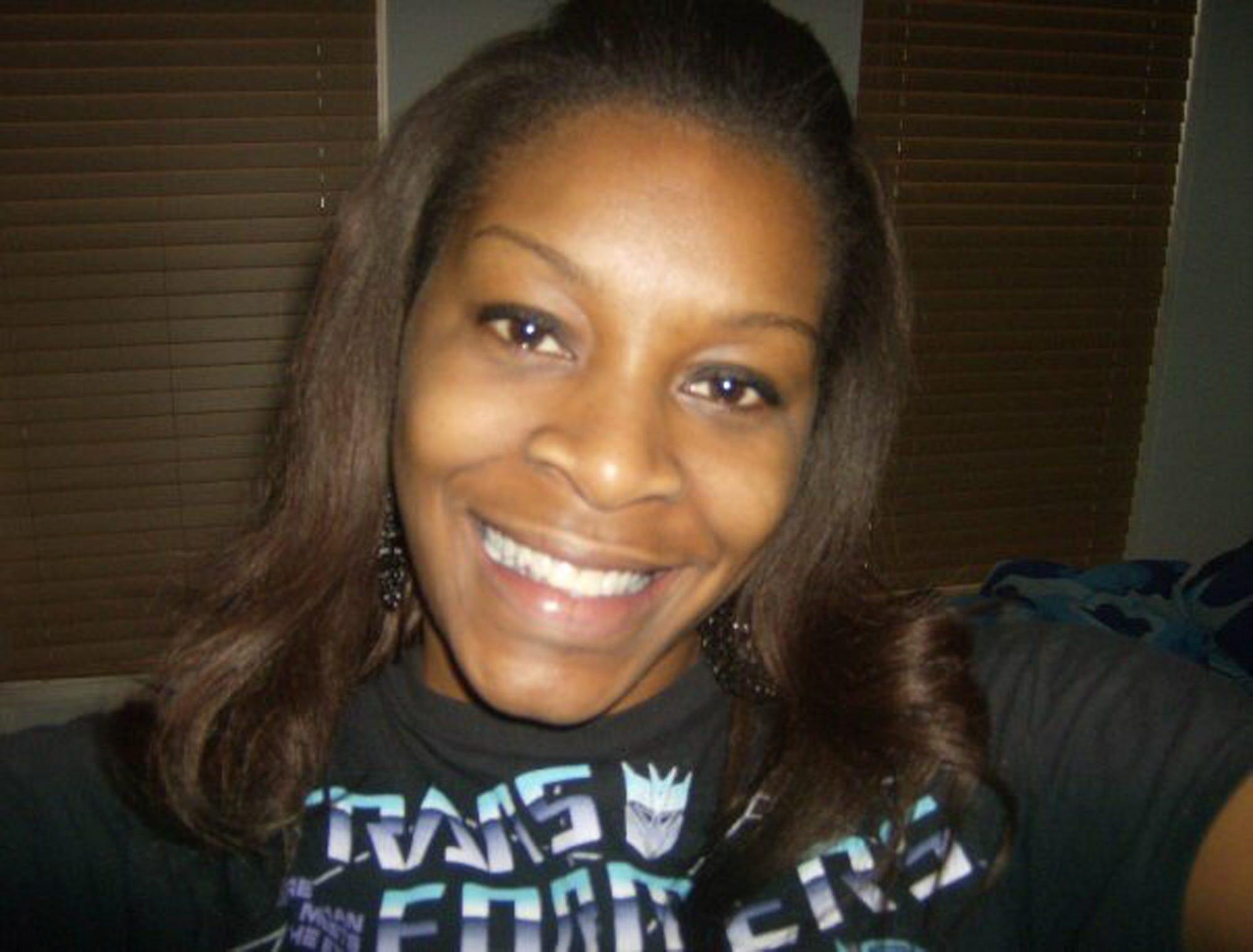 636331559735128294-AP-Woman-Dead-in-Jail