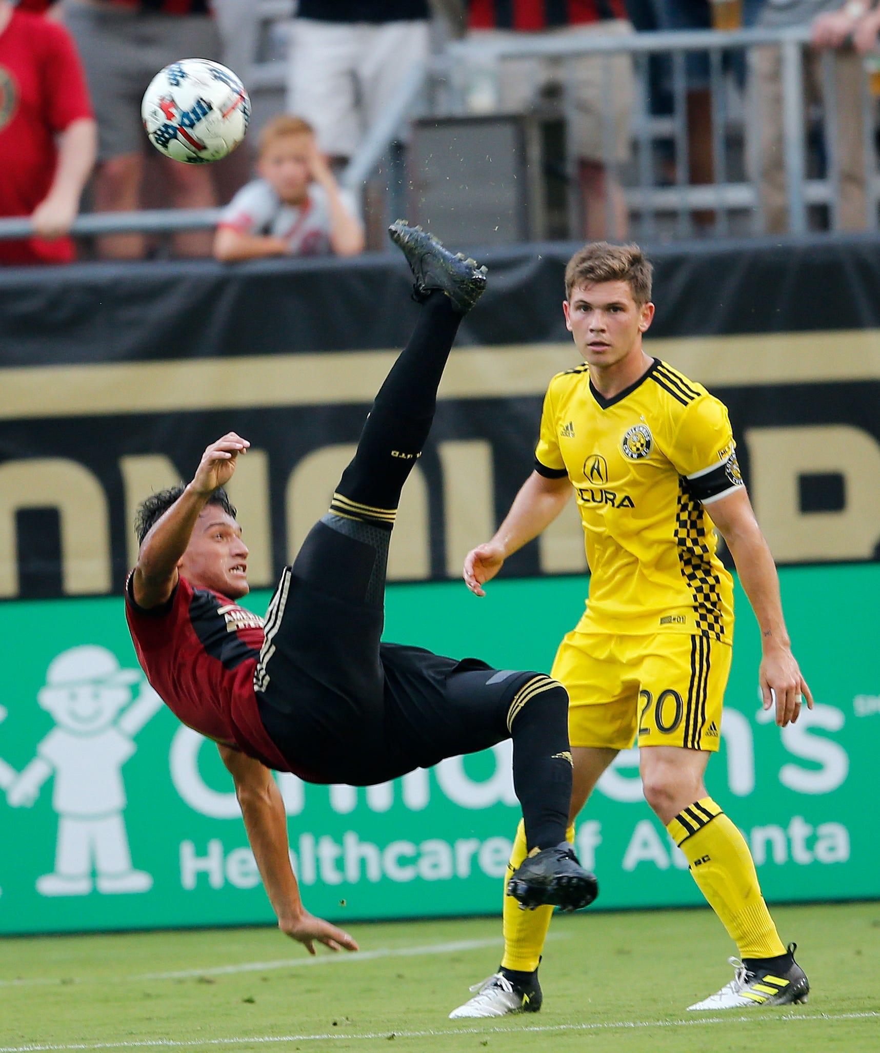 Almiron scores the go-ahead, Atlanta United tops Crew 3-1
