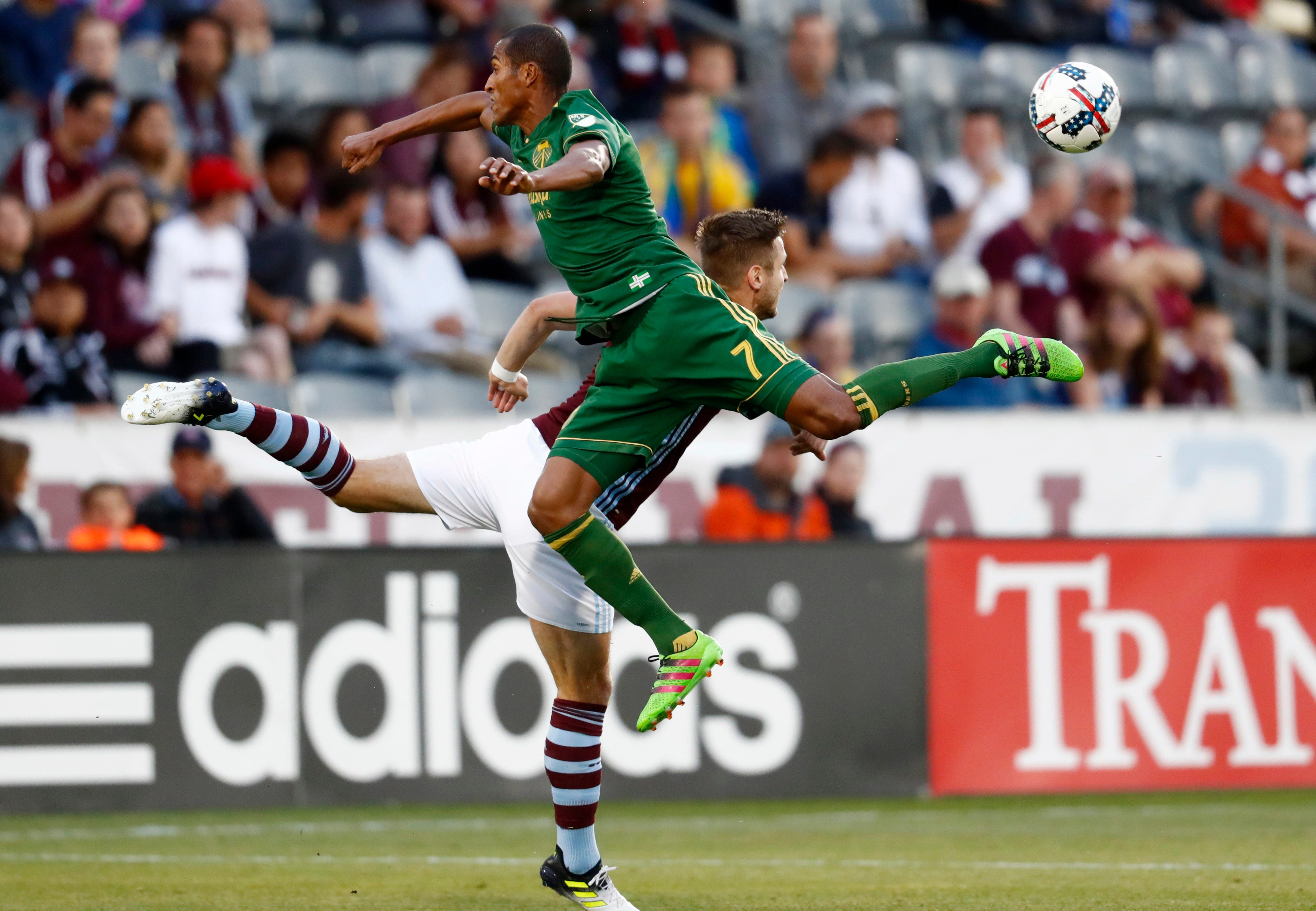 Gordon strikes late again in Rapids' 2-1 win over Timbers