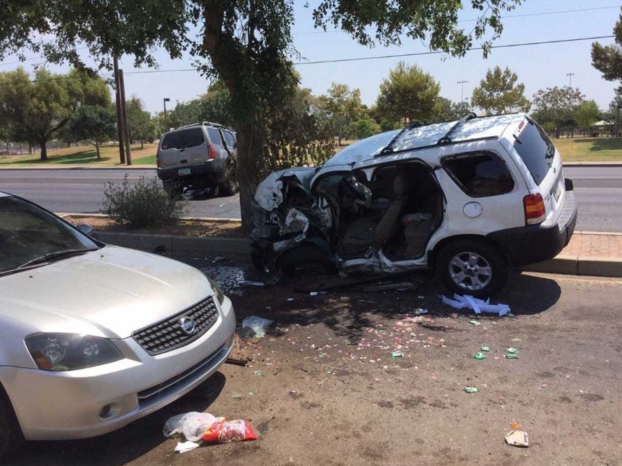 Man identified in fatal west Phoenix car crash