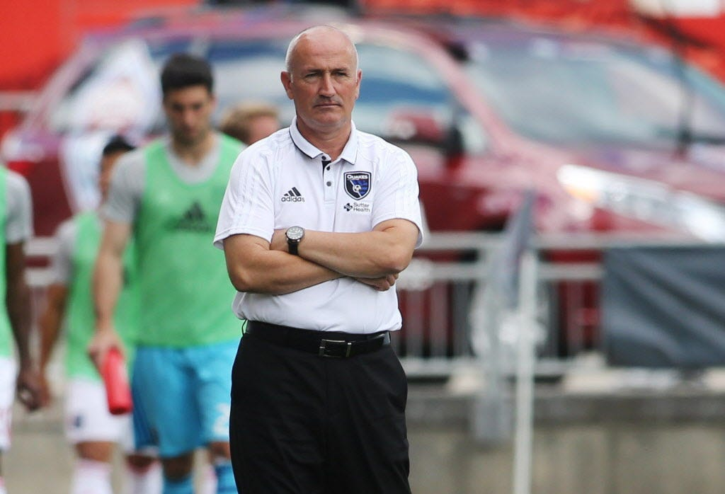 San Jose Earthquakes fire coach Dominic Kinnear, promote ex-player Chris Leitch