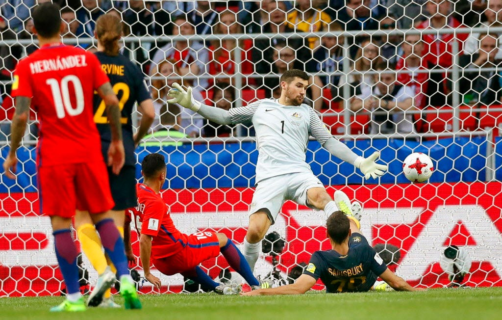 Chile draws with Australia to reach Confederations Cup semifinals