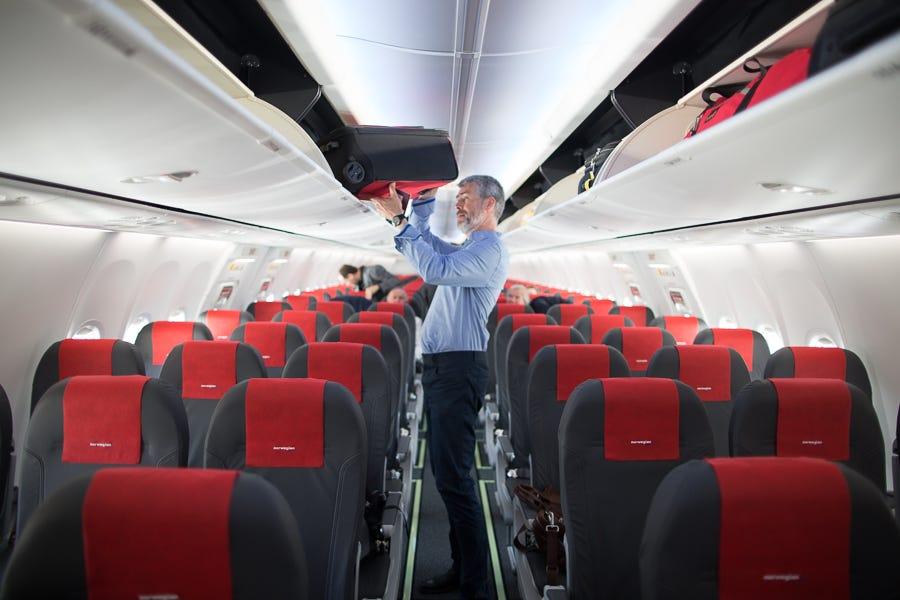 Hasil gambar untuk Norwegian Dreamliner flight lays claim to trans-Atlantic speed record