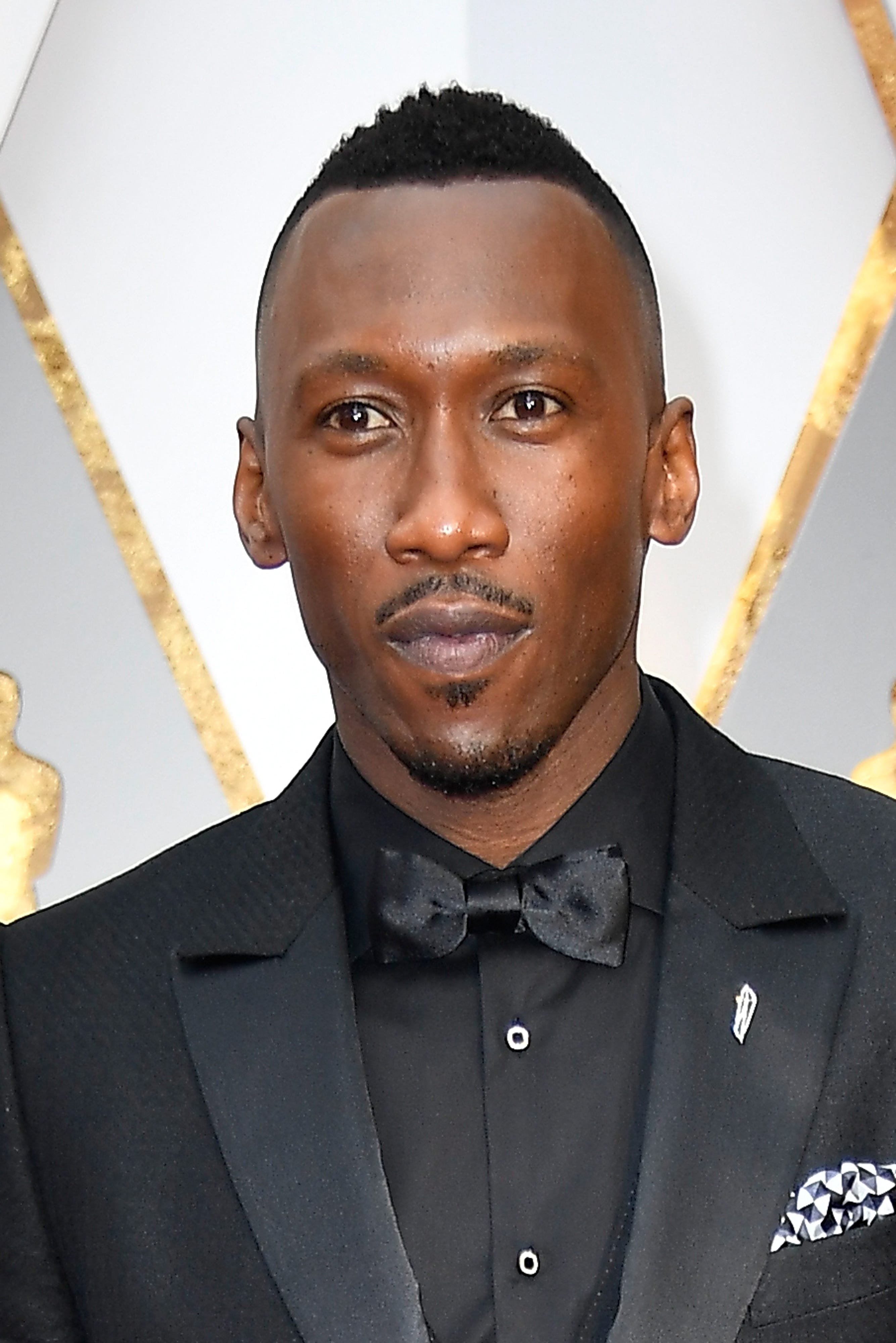 Mahershala Ali confirmed for next 'True Detective'; Jon Stewart to return to stand-up in HBO special