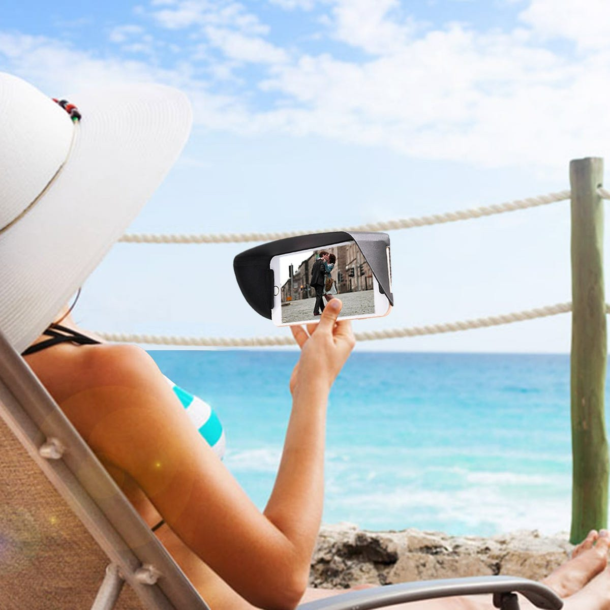 ea297e14b4 How to use your smartphone at the beach and in bright sunlight