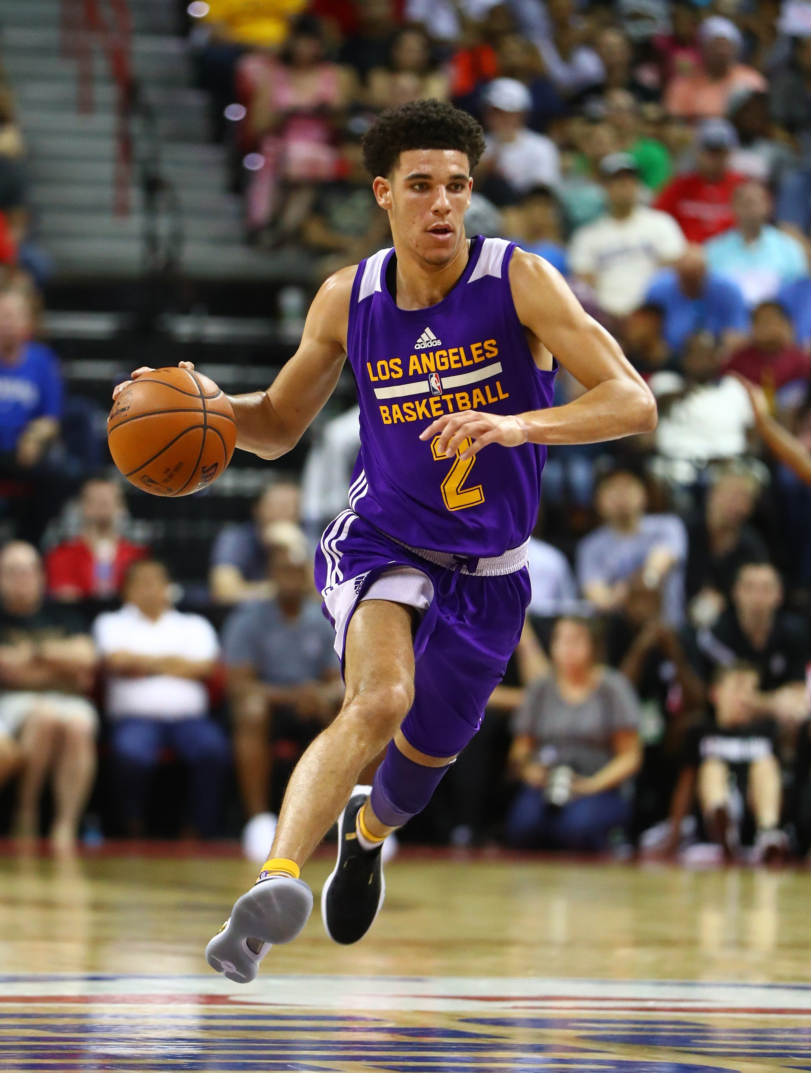 3d75deefb Lonzo Ball wears Steph Curry s Under Armour shoes - NBA twitter ...