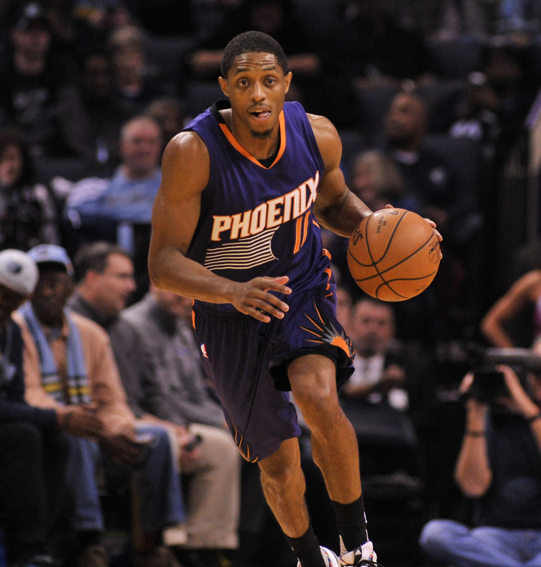 Suns guard Brandon Knight expected to miss season with torn ACL