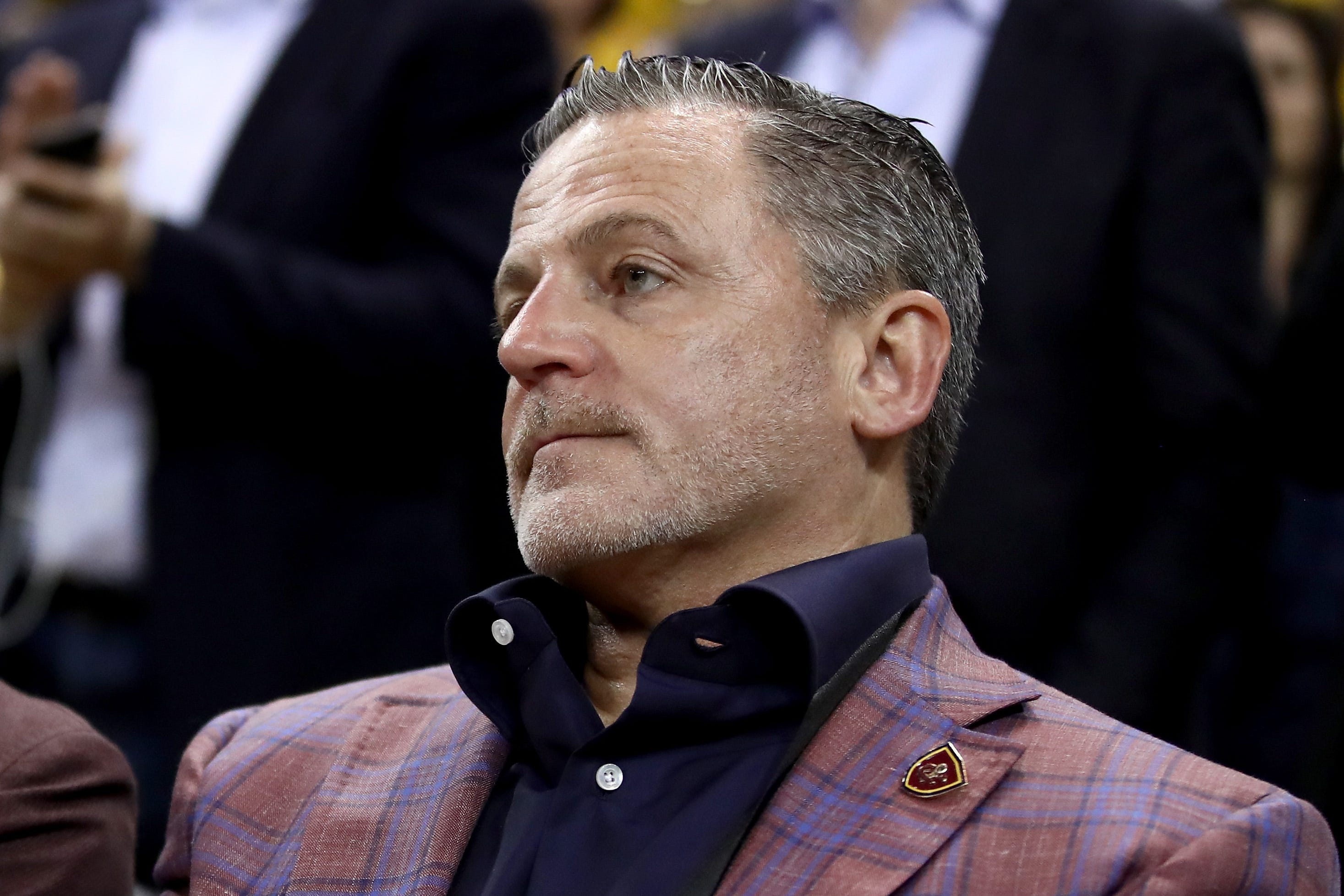 Cavs owner disses Pacers for Paul George trade