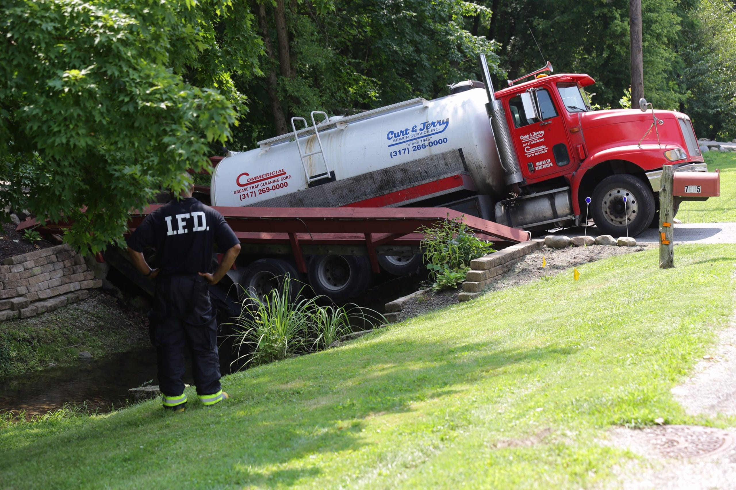 Tanker spills human waste into Indianapolis creek