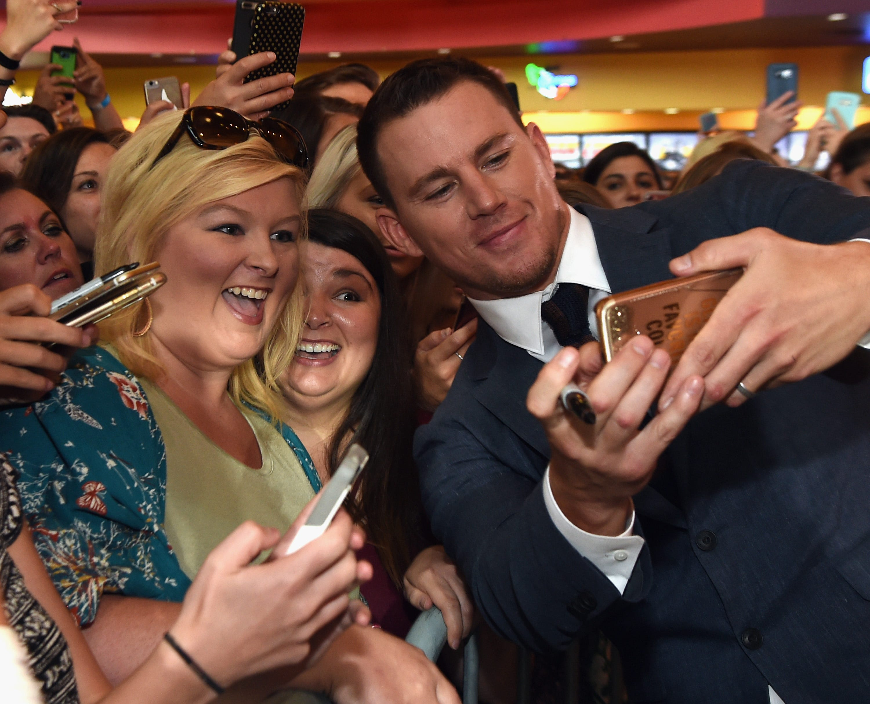 Watch Channing Tatum pull a 'Magic Mike' in a North Carolina gas station