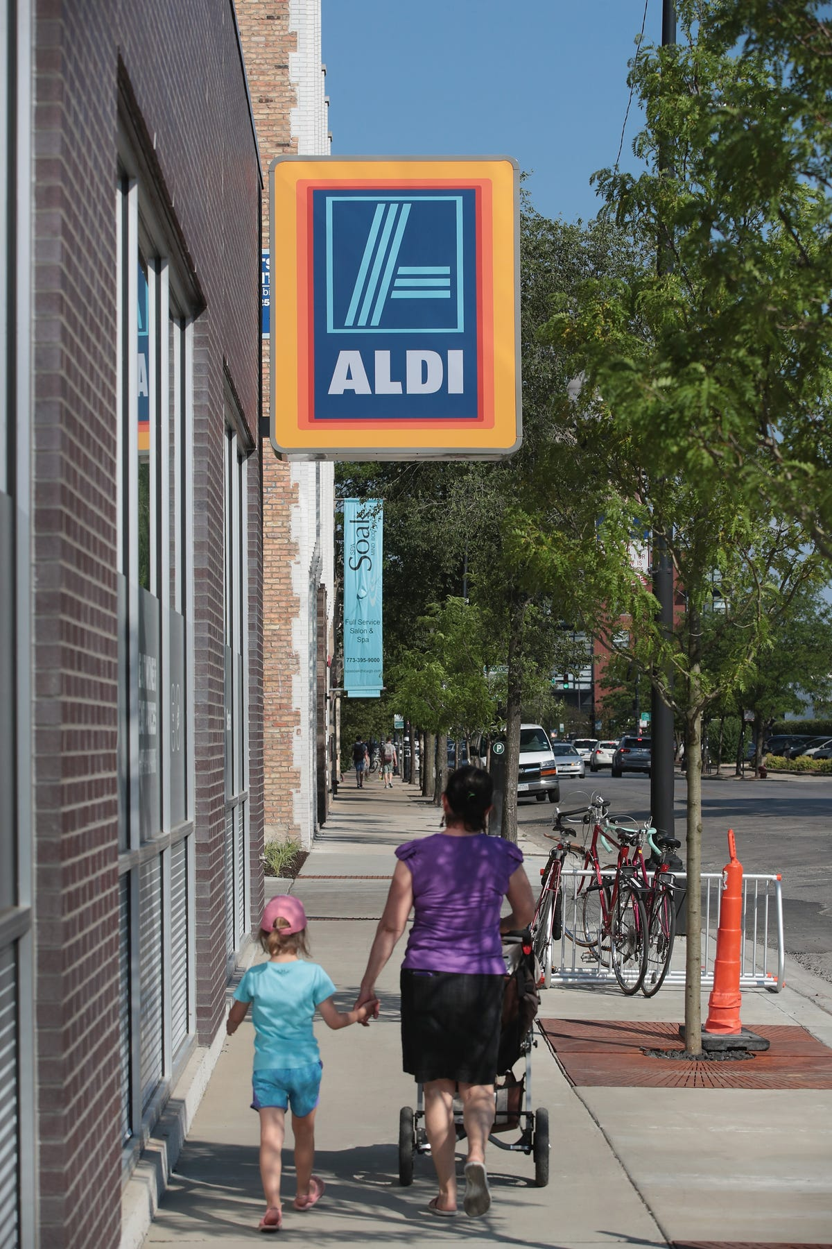 Aldi to deliver groceries via Instacart
