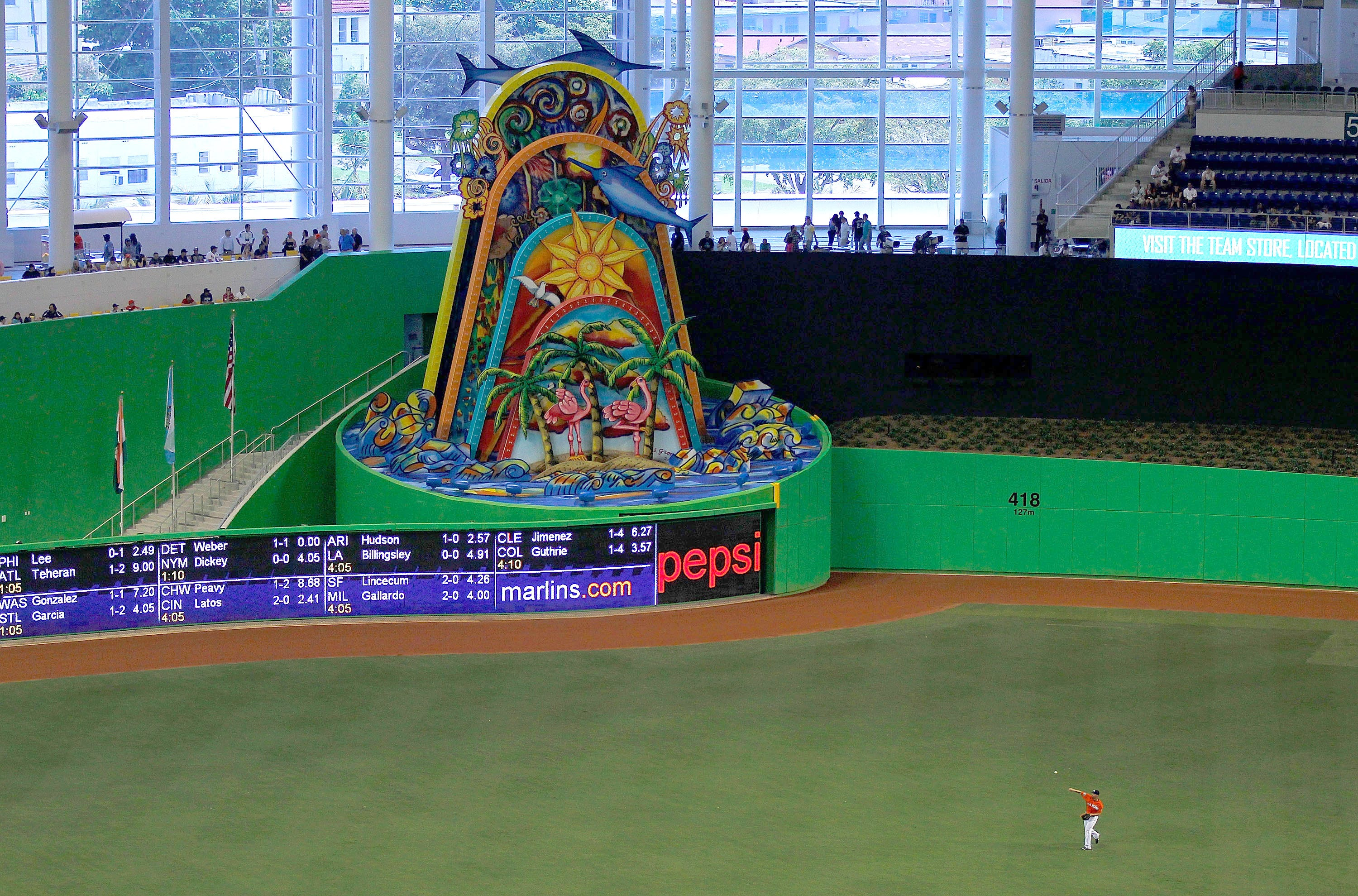 gty_142287522 Sorry Jeter, Marlins HR sculpture 'not movable'