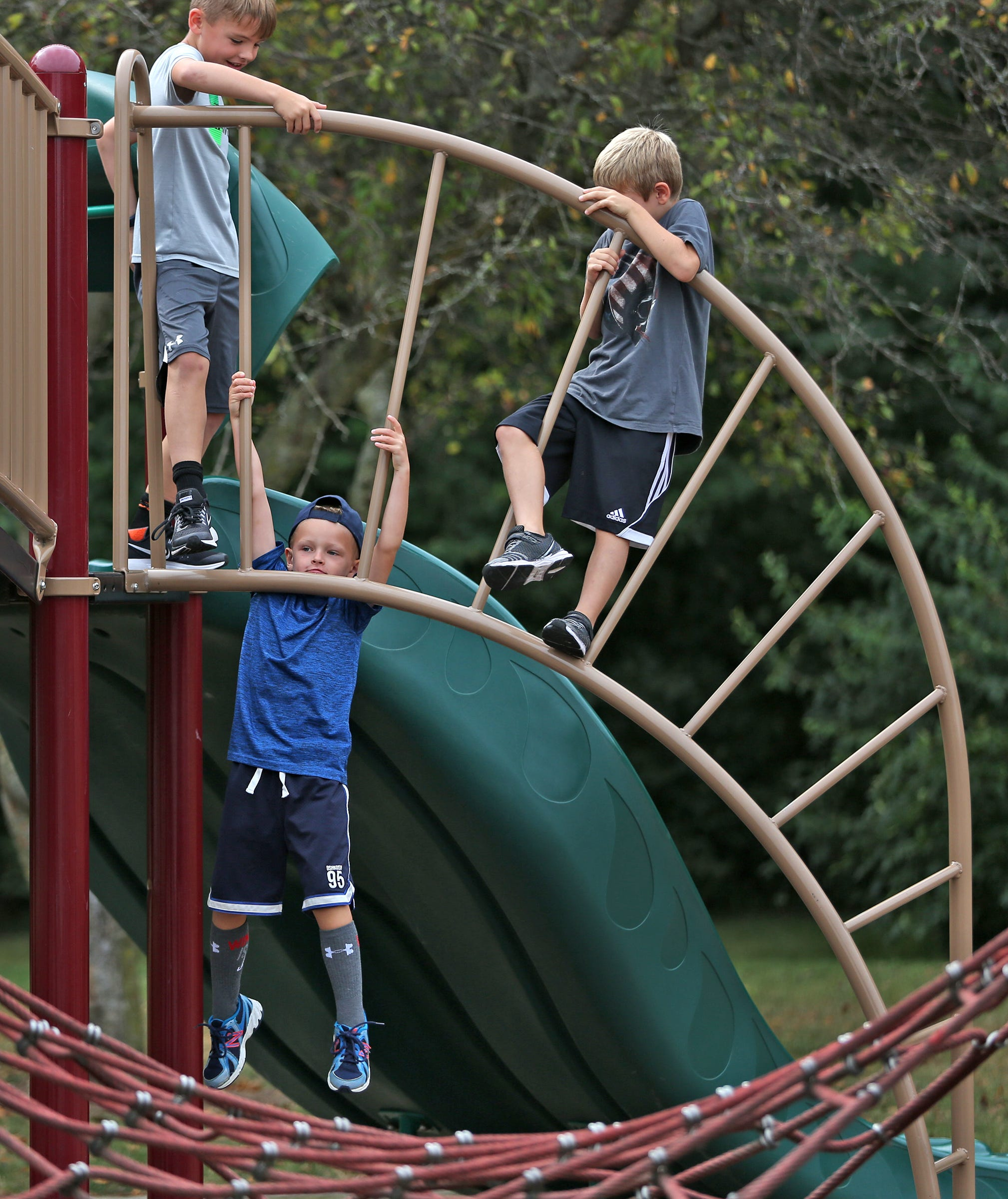 Carmel Schools considers longer elementary days to double kids' recess time