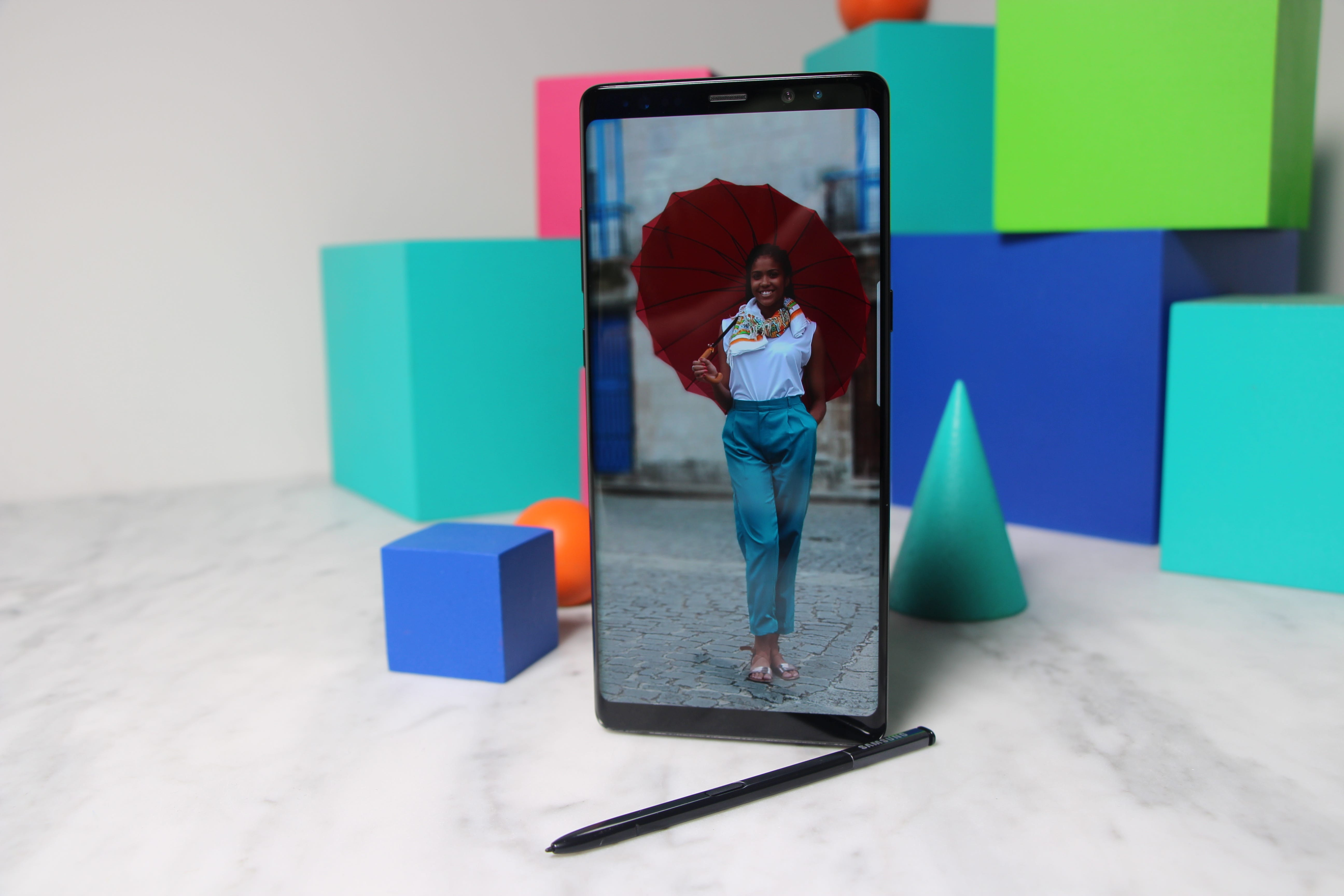 Samsung Galaxy Note 8 first look Sharp phone with few