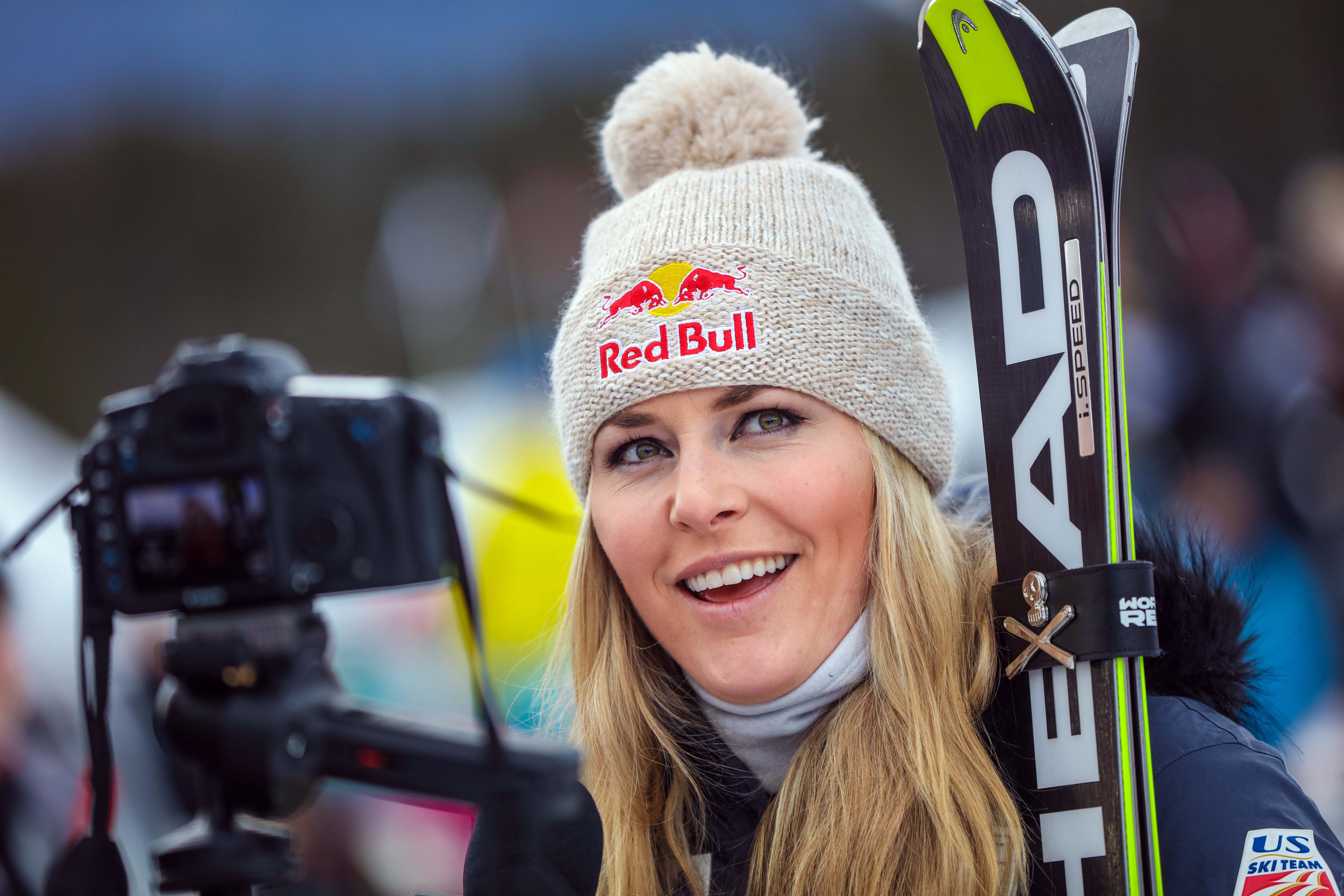 636390259639278327-USP-ALPINE-SKIING-AUDI-FIS-LAKE-LOUISE-ALPINE-SKI-78107984 In cases of leaked photos such as Vonn's, legal consequences can be murky