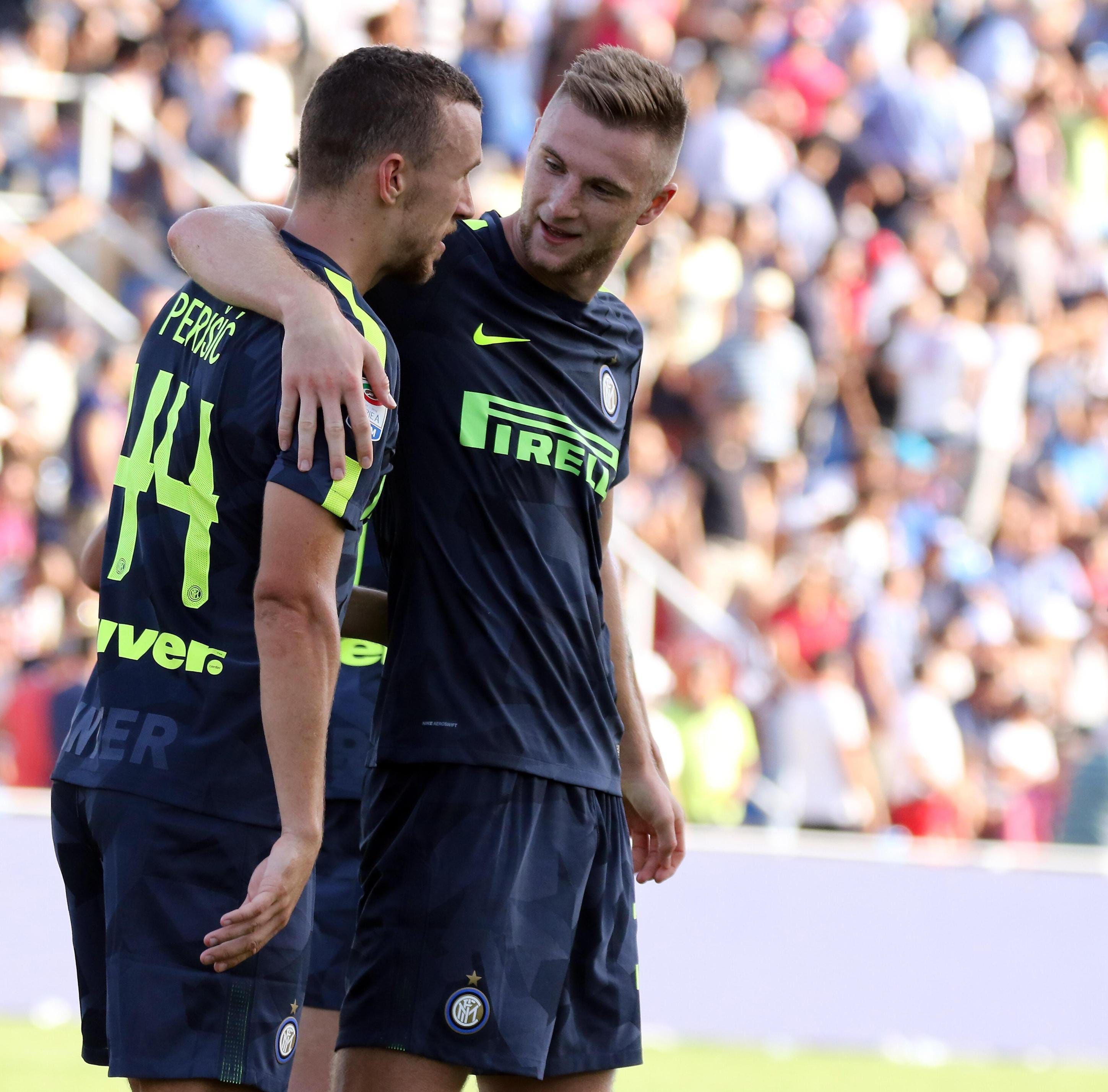 Inter leaves it late to beat Crotone 2-0 and stay perfect